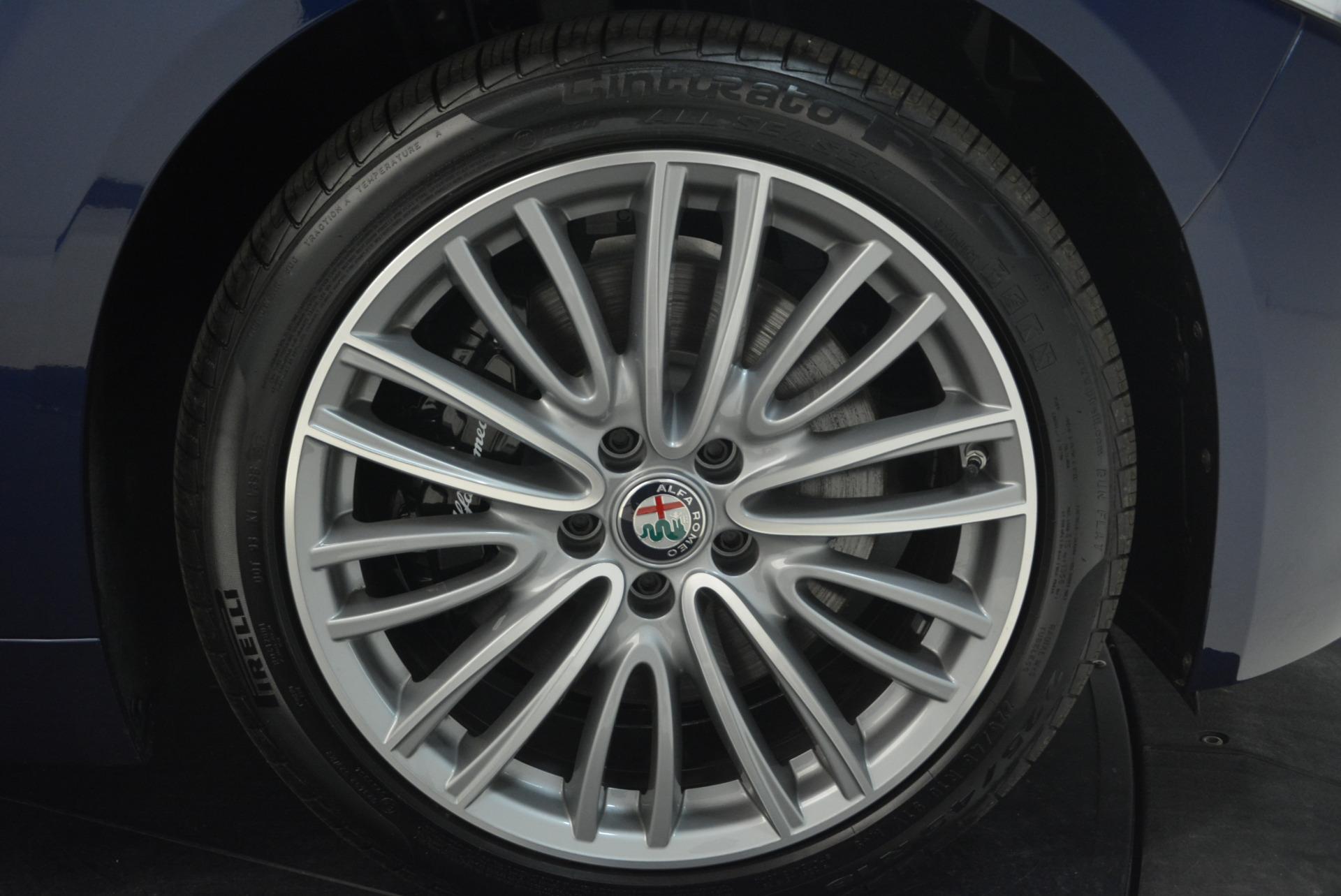 New 2018 Alfa Romeo Giulia Ti Lusso Q4 For Sale In Greenwich, CT. Alfa Romeo of Greenwich, LW074 1764_p25