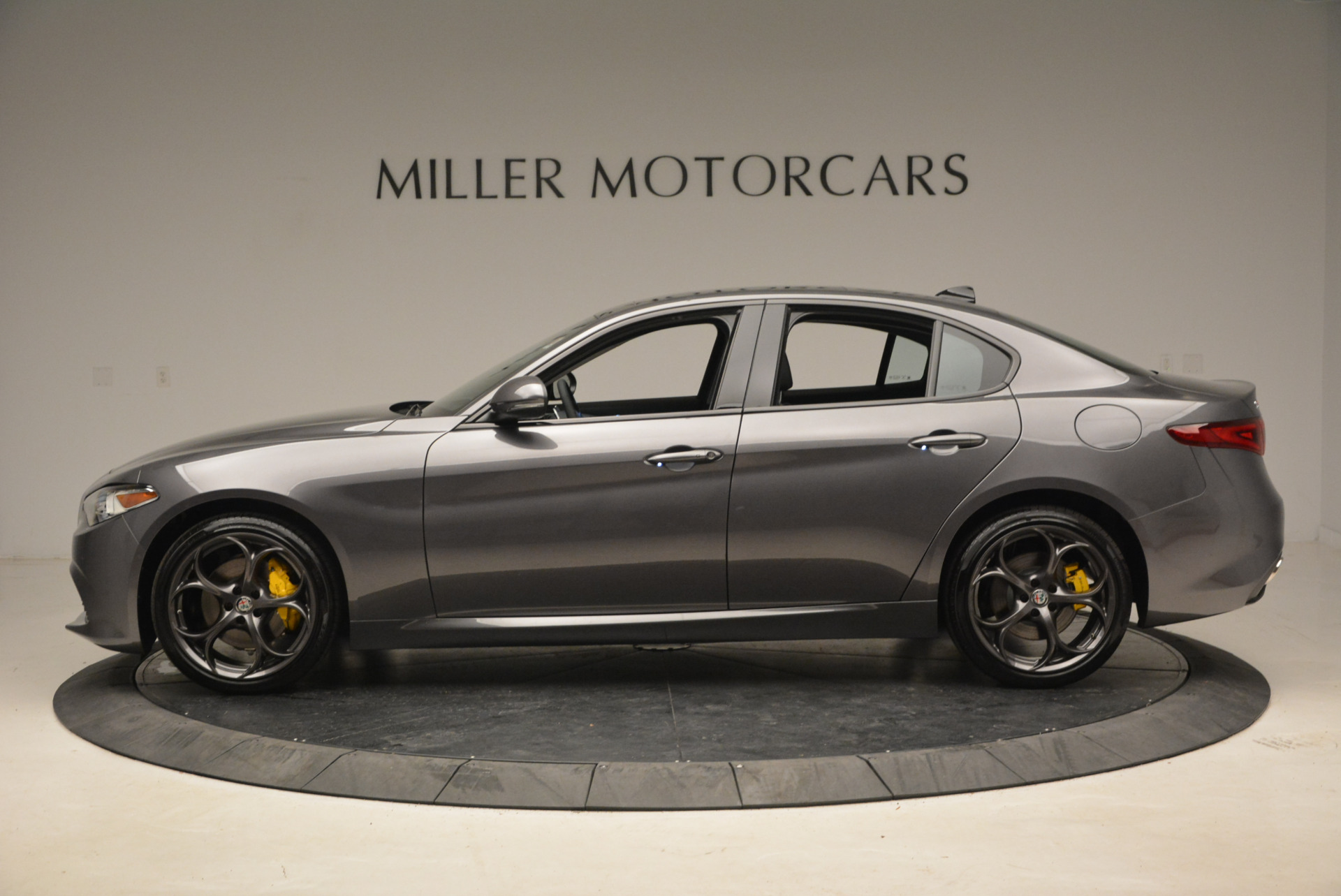 New 2018 Alfa Romeo Giulia Ti Sport Q4 For Sale In Greenwich, CT. Alfa Romeo of Greenwich, LW073 1765_p3