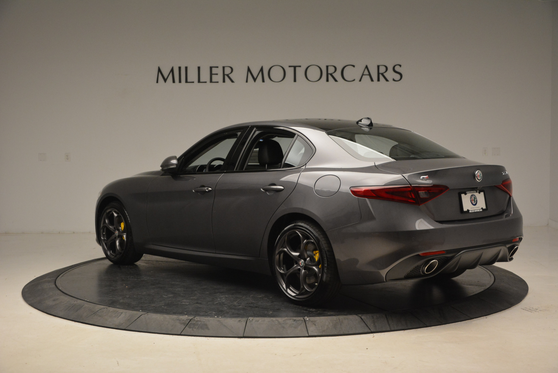 New 2018 Alfa Romeo Giulia Ti Sport Q4 For Sale In Greenwich, CT. Alfa Romeo of Greenwich, LW073 1765_p4
