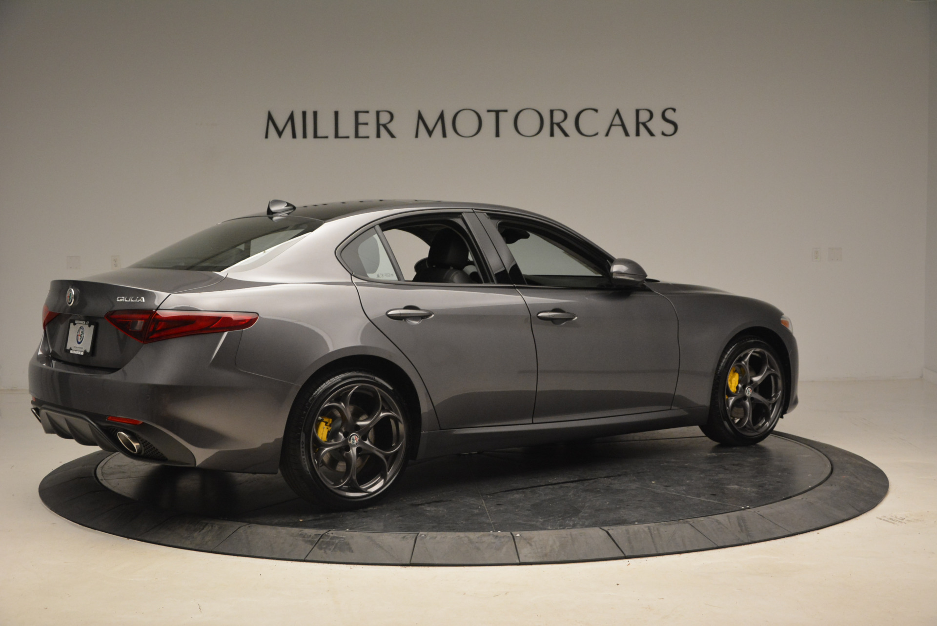 New 2018 Alfa Romeo Giulia Ti Sport Q4 For Sale In Greenwich, CT. Alfa Romeo of Greenwich, LW073 1765_p8