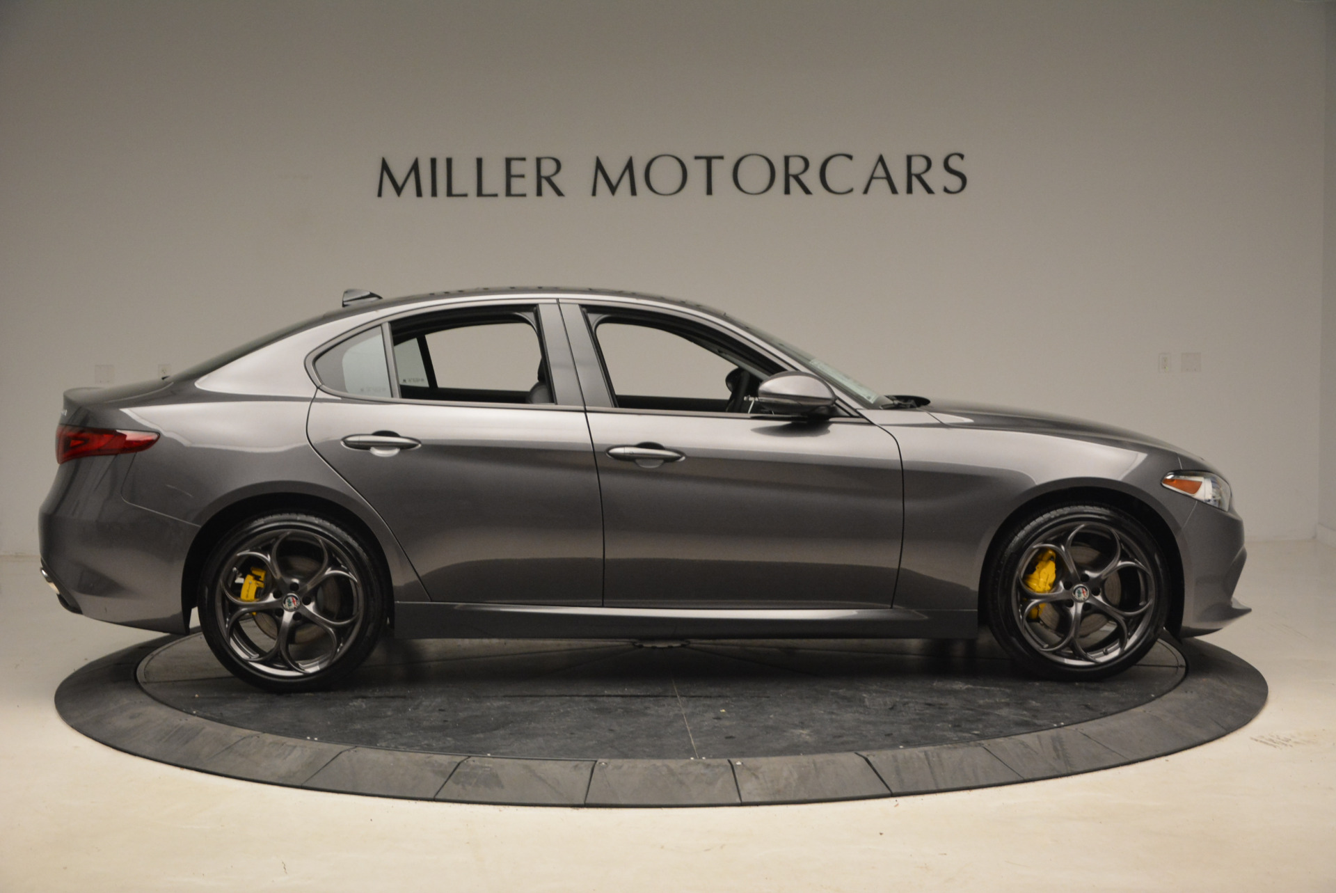 New 2018 Alfa Romeo Giulia Ti Sport Q4 For Sale In Greenwich, CT. Alfa Romeo of Greenwich, LW073 1765_p9
