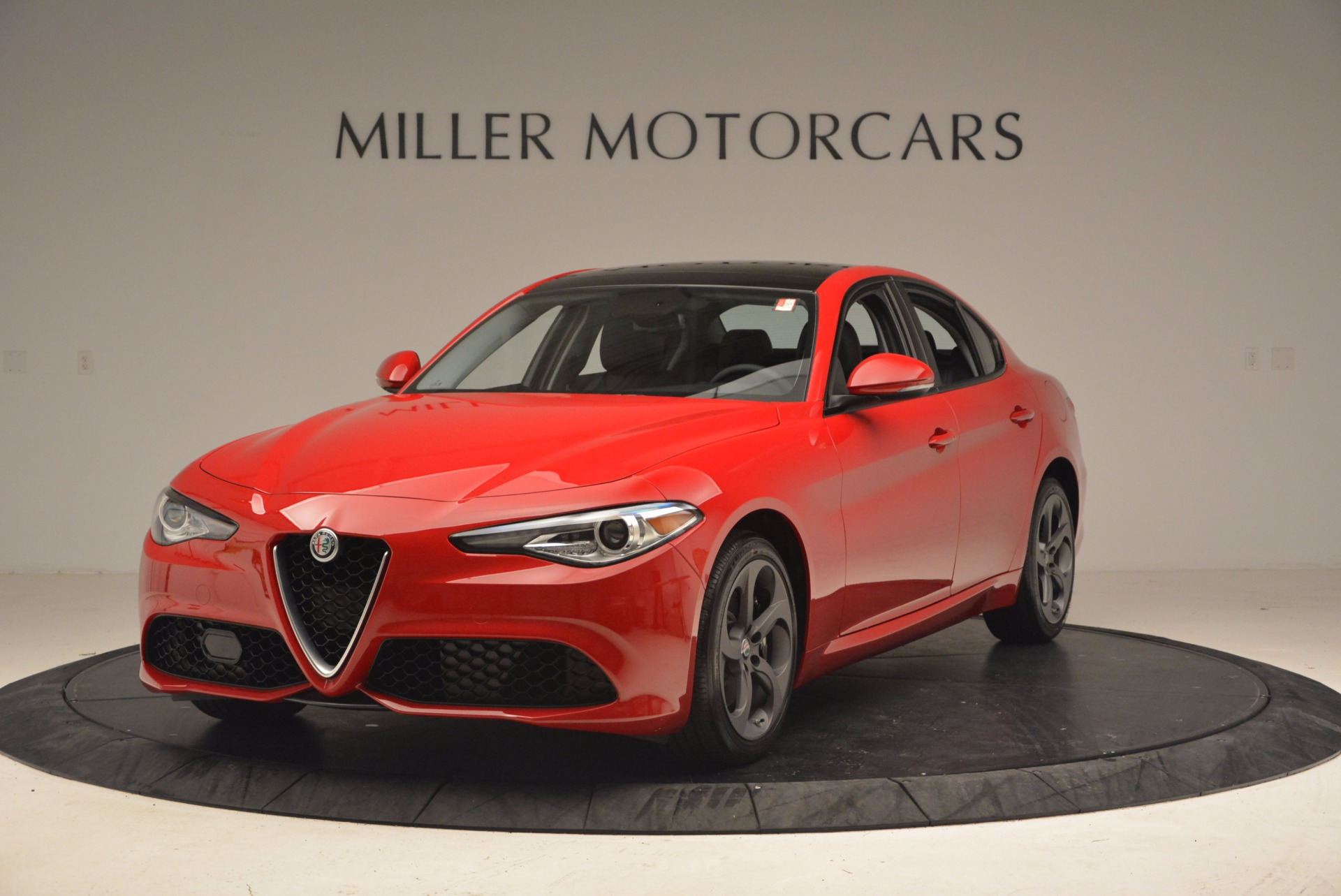 New 2018 Alfa Romeo Giulia Ti Sport Q4 For Sale In Greenwich, CT. Alfa Romeo of Greenwich, LW070