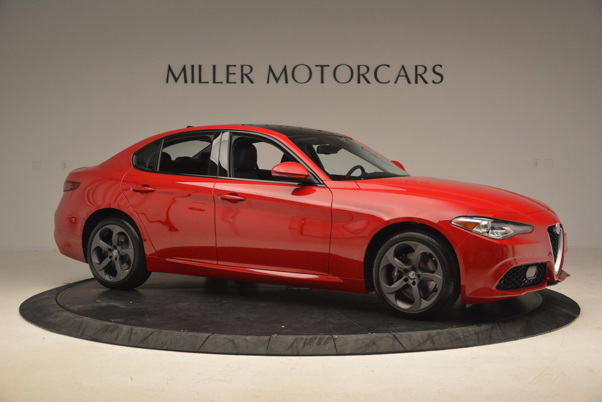 New 2018 Alfa Romeo Giulia Ti Sport Q4 For Sale In Greenwich, CT. Alfa Romeo of Greenwich, LW070 1768_p10