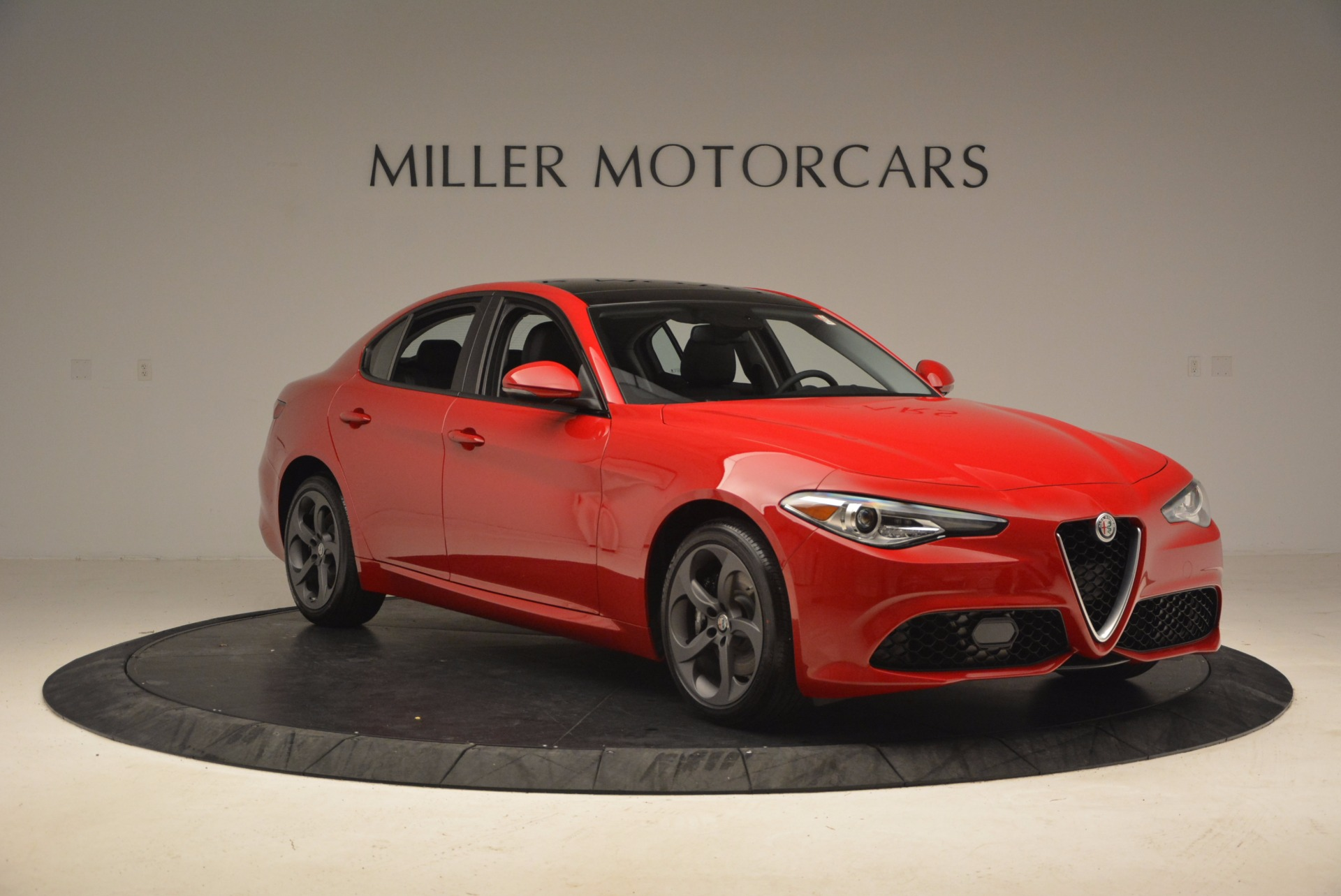 New 2018 Alfa Romeo Giulia Ti Sport Q4 For Sale In Greenwich, CT. Alfa Romeo of Greenwich, LW070 1768_p11