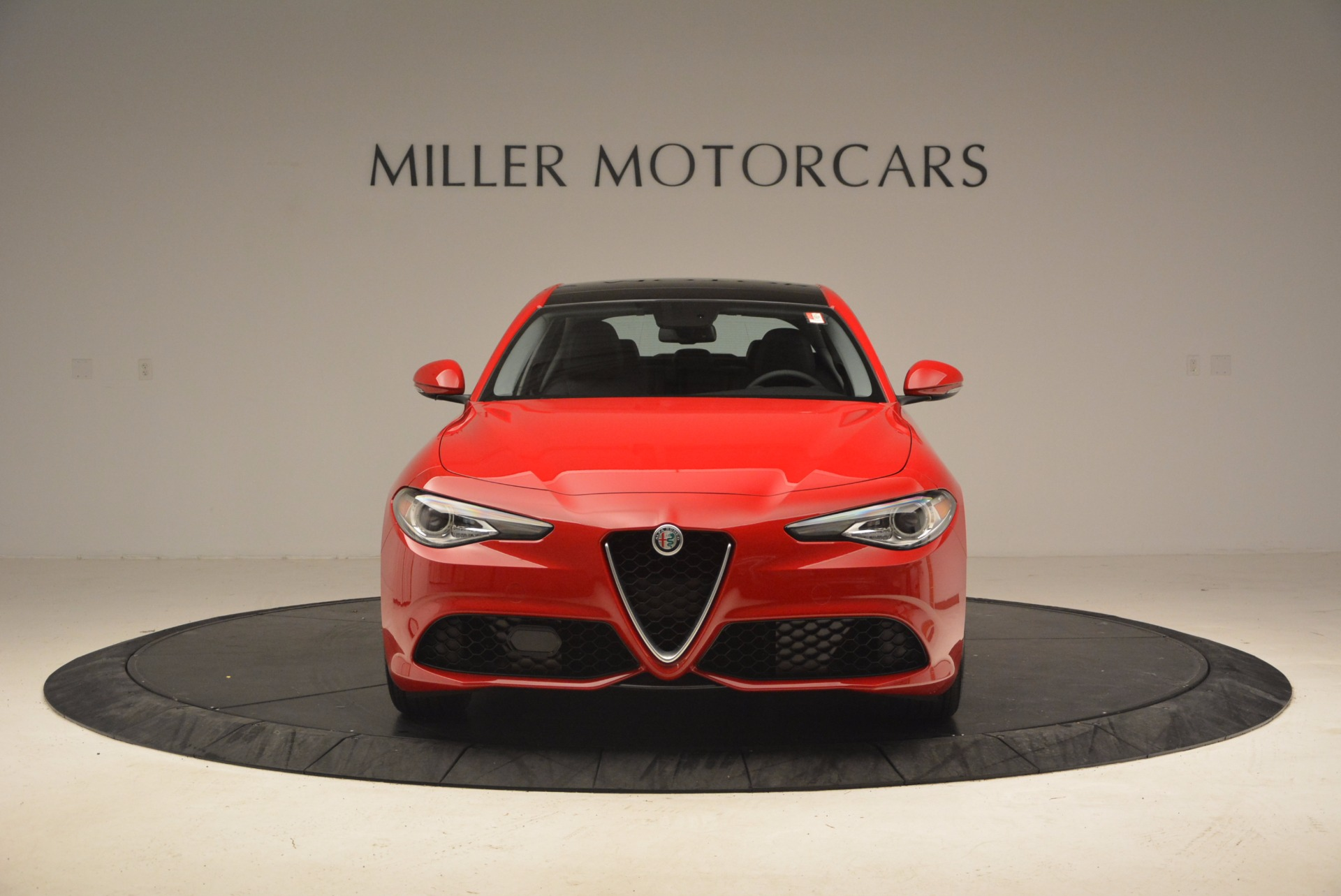 New 2018 Alfa Romeo Giulia Ti Sport Q4 For Sale In Greenwich, CT. Alfa Romeo of Greenwich, LW070 1768_p12