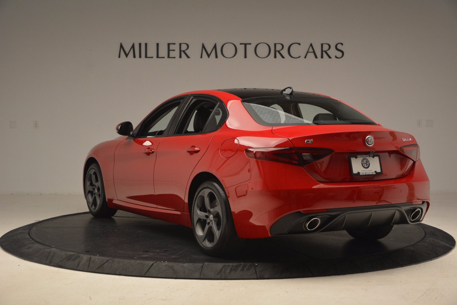 New 2018 Alfa Romeo Giulia Ti Sport Q4 For Sale In Greenwich, CT. Alfa Romeo of Greenwich, LW070 1768_p5
