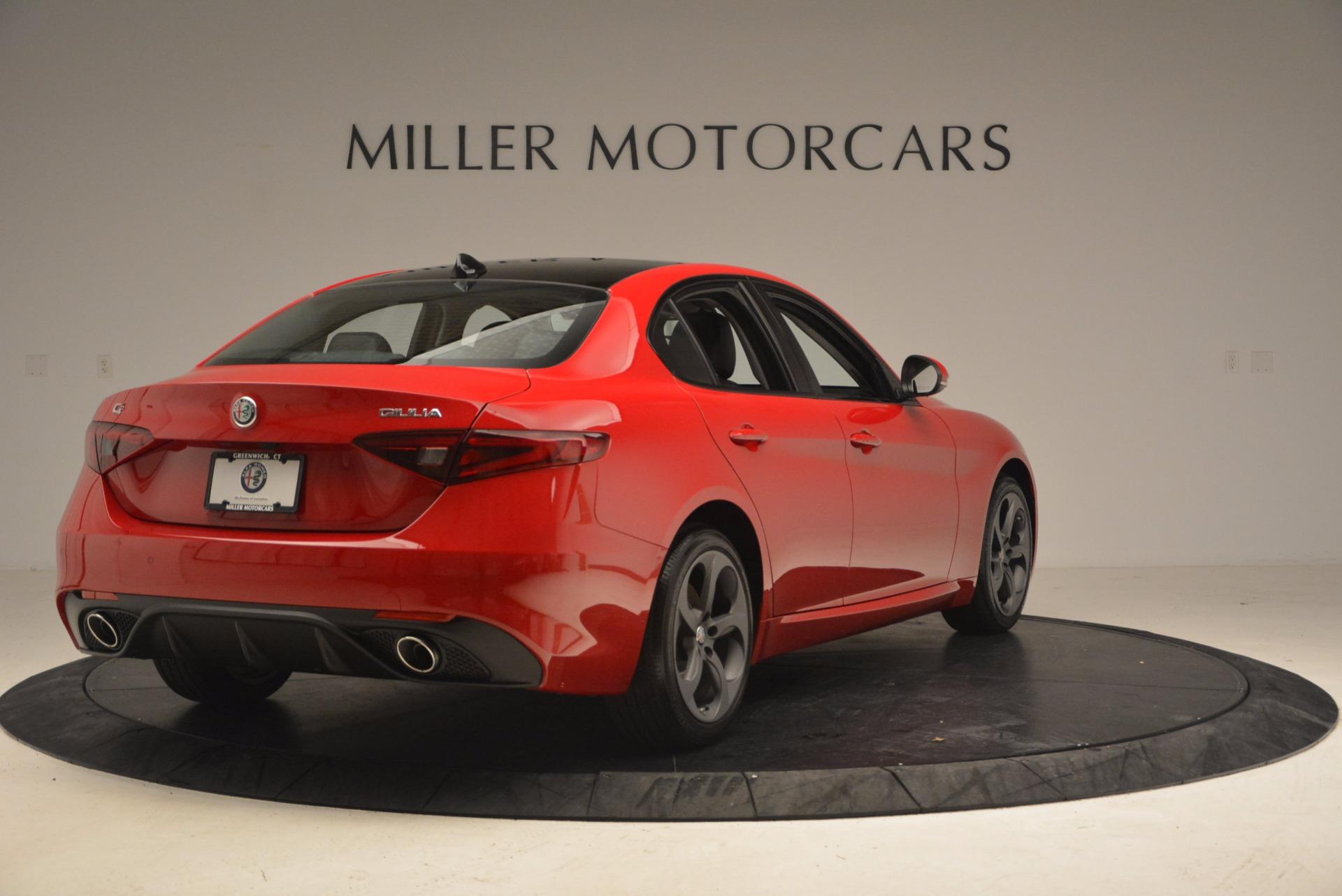 New 2018 Alfa Romeo Giulia Ti Sport Q4 For Sale In Greenwich, CT. Alfa Romeo of Greenwich, LW070 1768_p7