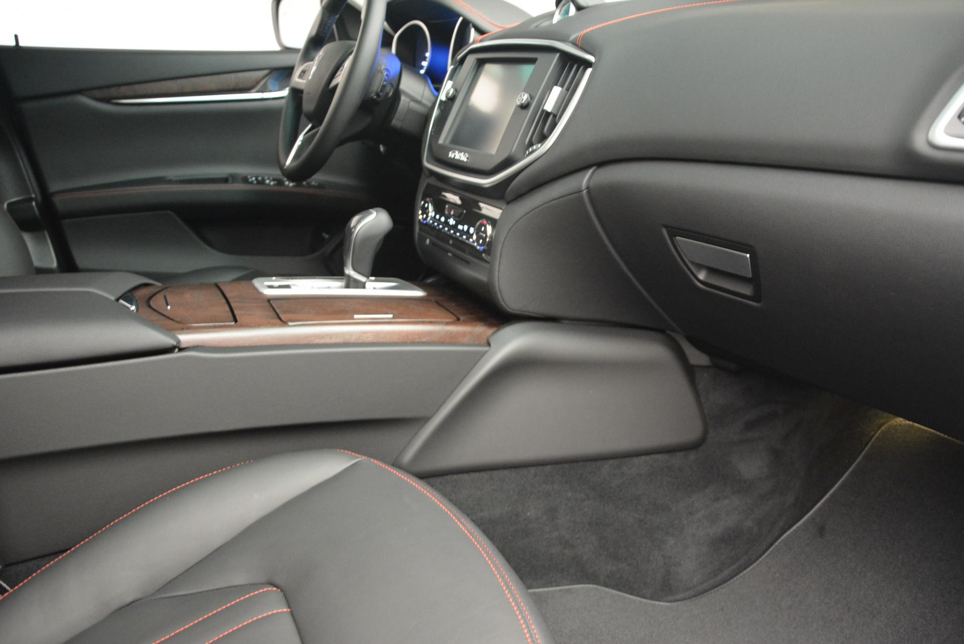 New 2016 Maserati Ghibli S Q4 For Sale In Greenwich, CT. Alfa Romeo of Greenwich, M1538 177_p19