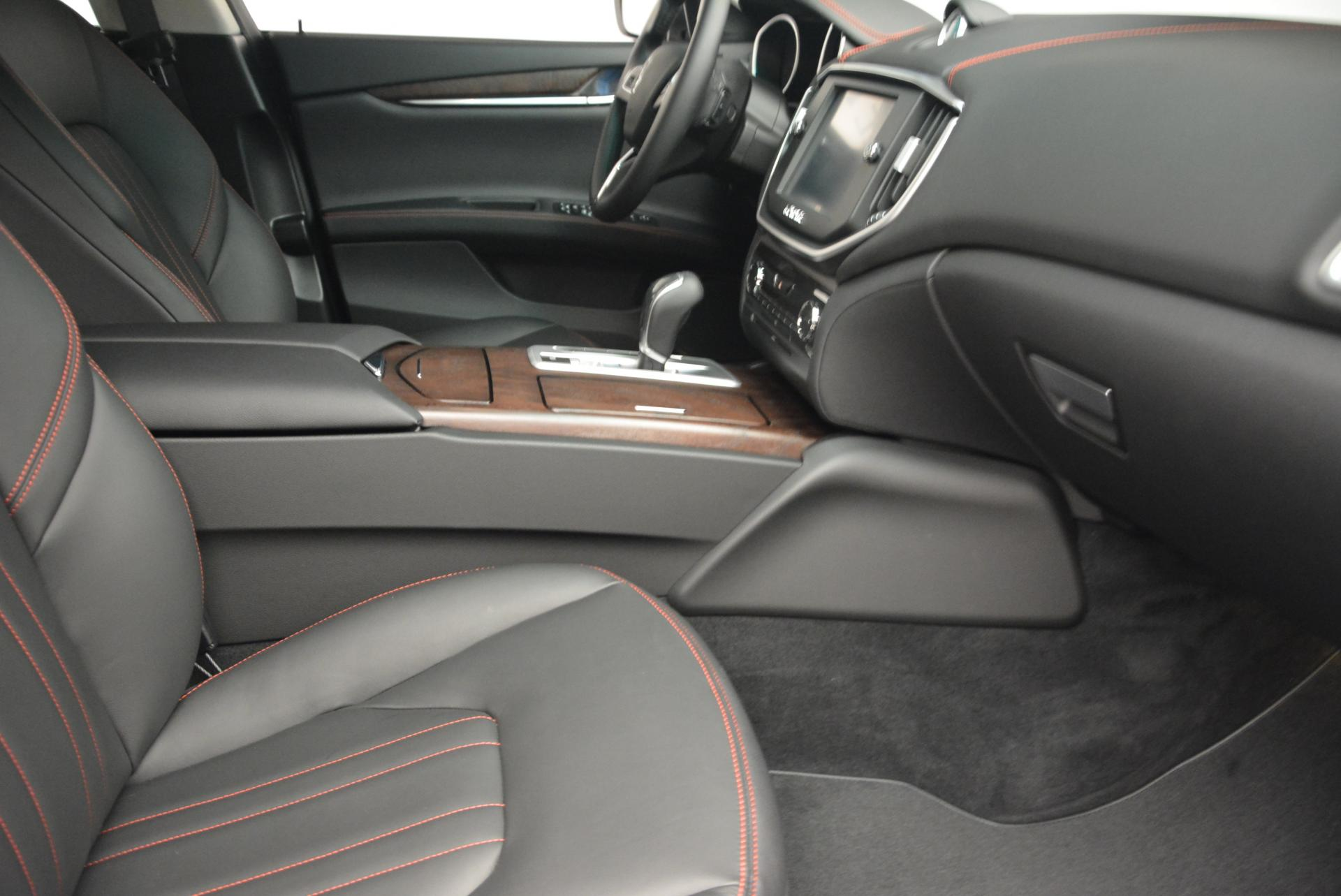 New 2016 Maserati Ghibli S Q4 For Sale In Greenwich, CT. Alfa Romeo of Greenwich, M1538 177_p20