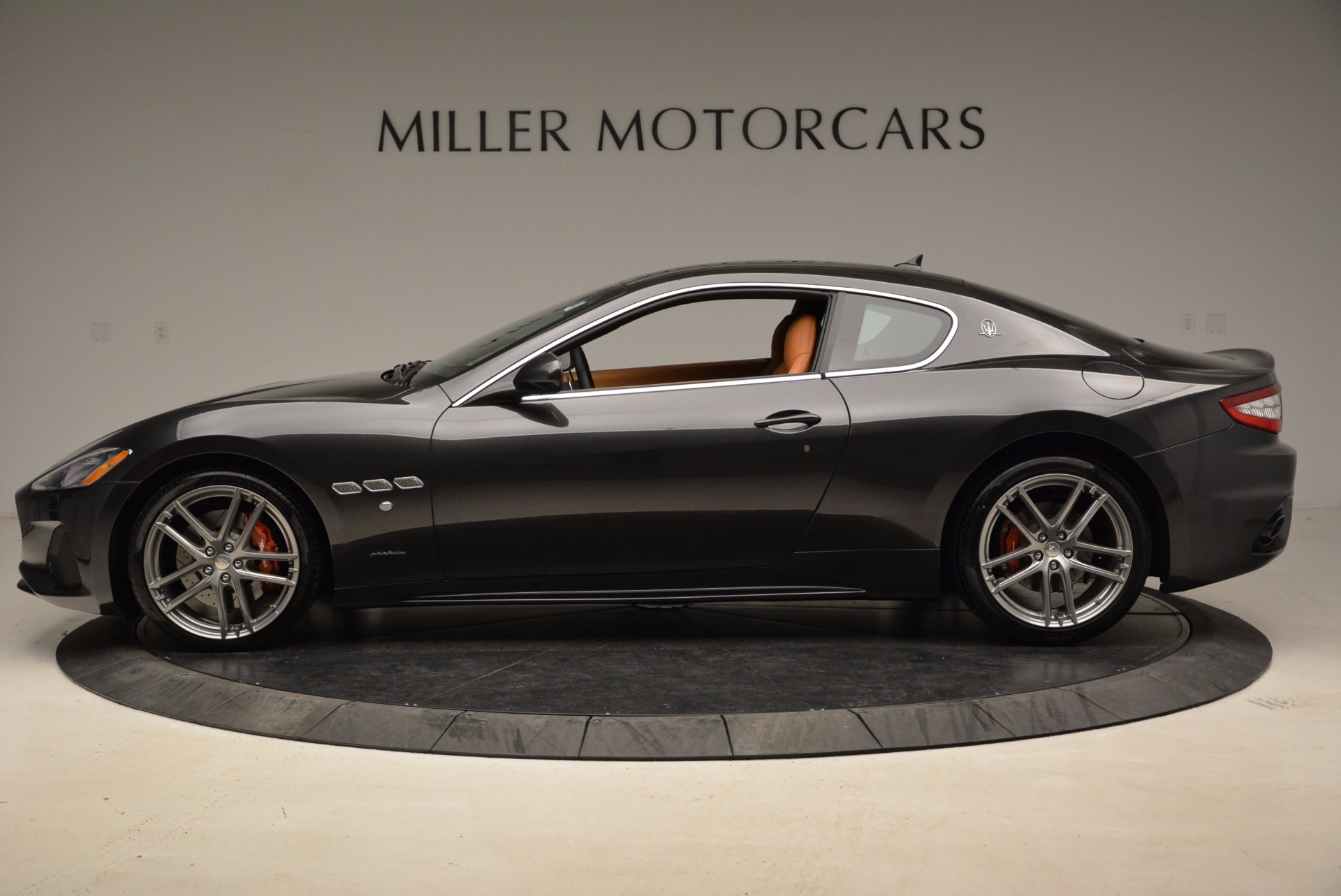 New 2018 Maserati GranTurismo Sport Coupe For Sale In Greenwich, CT. Alfa Romeo of Greenwich, W523 1771_p3