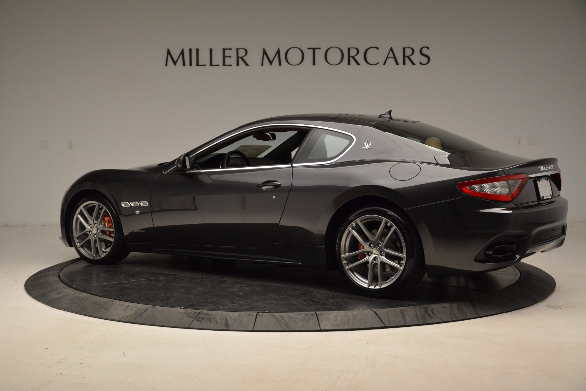 New 2018 Maserati GranTurismo Sport Coupe For Sale In Greenwich, CT. Alfa Romeo of Greenwich, W523 1771_p4