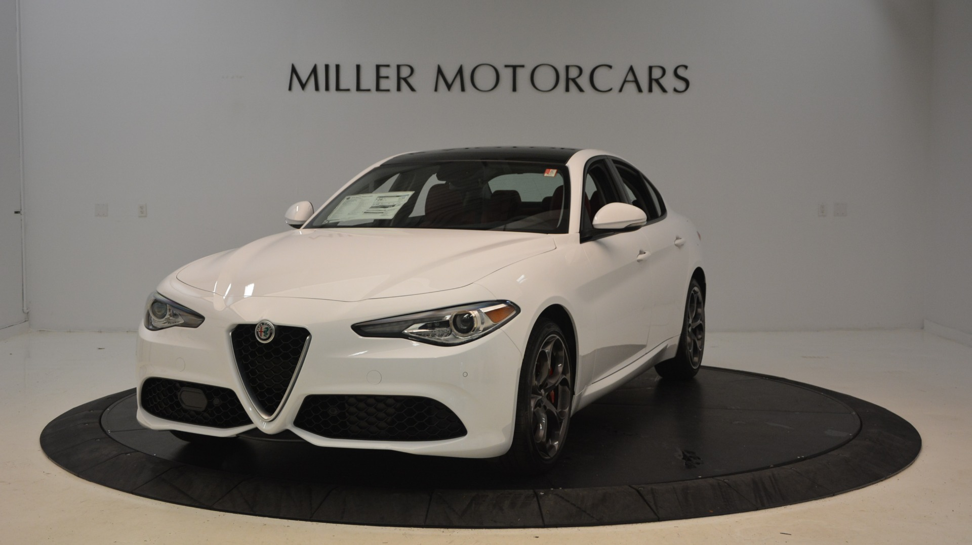 New 2018 Alfa Romeo Giulia Ti Sport Q4 For Sale In Greenwich, CT. Alfa Romeo of Greenwich, L298 1781_main