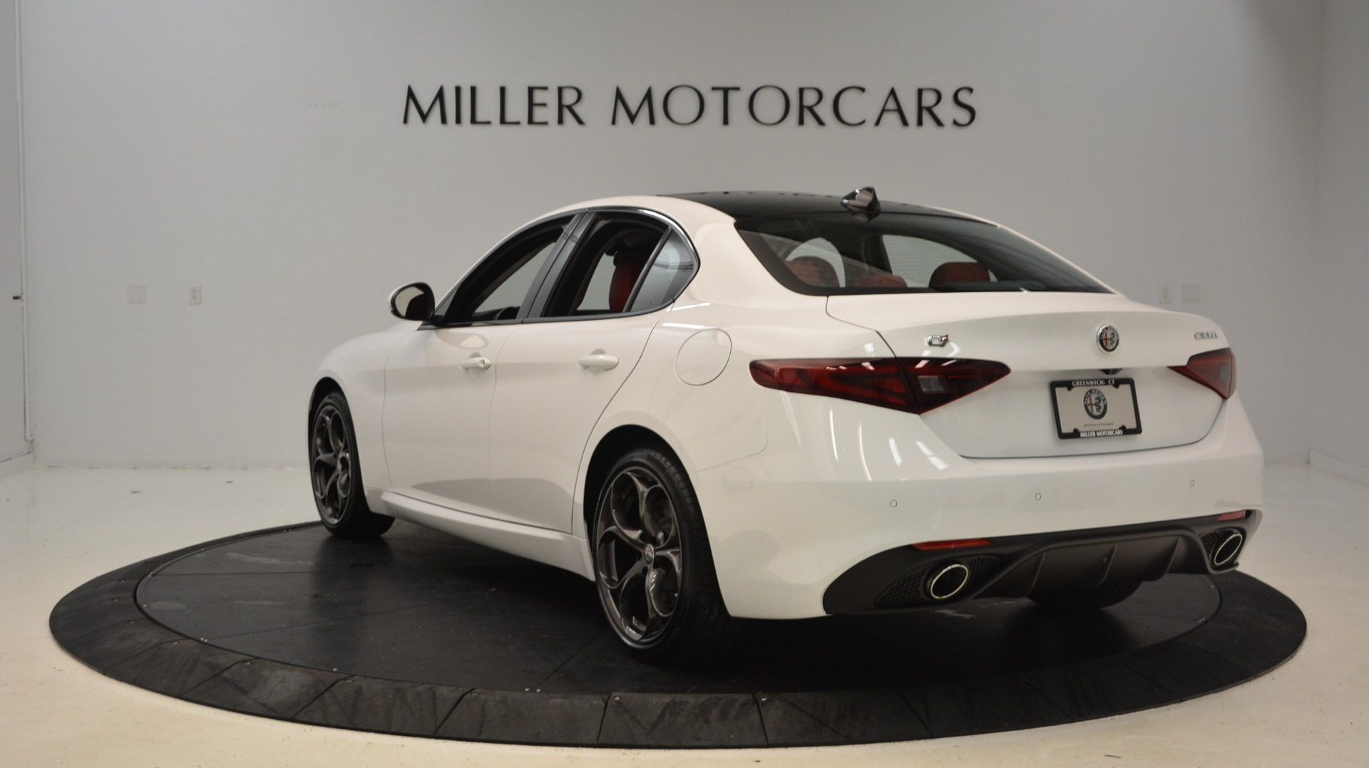 New 2018 Alfa Romeo Giulia Ti Sport Q4 For Sale In Greenwich, CT. Alfa Romeo of Greenwich, L298 1781_p5