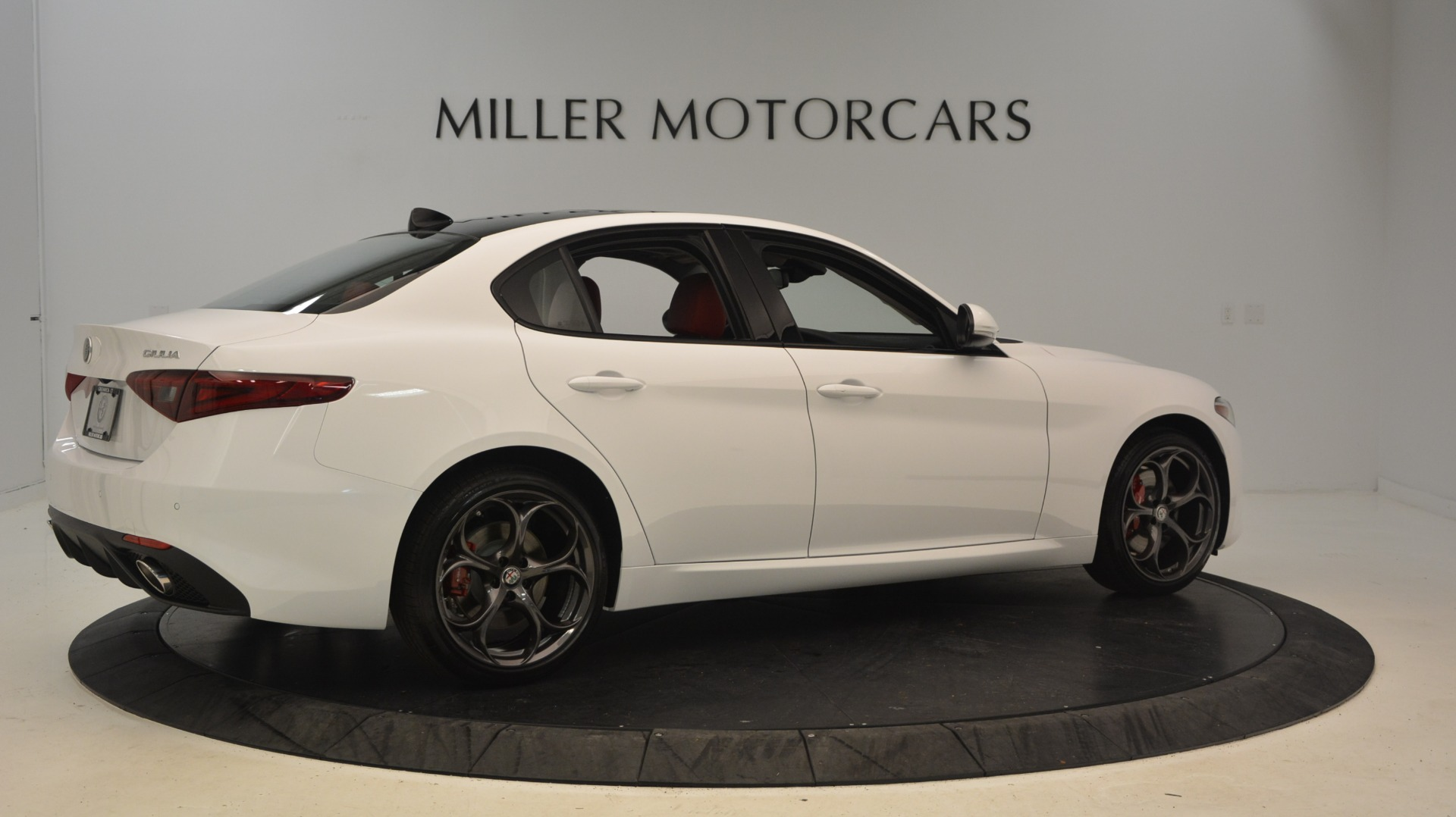 New 2018 Alfa Romeo Giulia Ti Sport Q4 For Sale In Greenwich, CT. Alfa Romeo of Greenwich, L298 1781_p8
