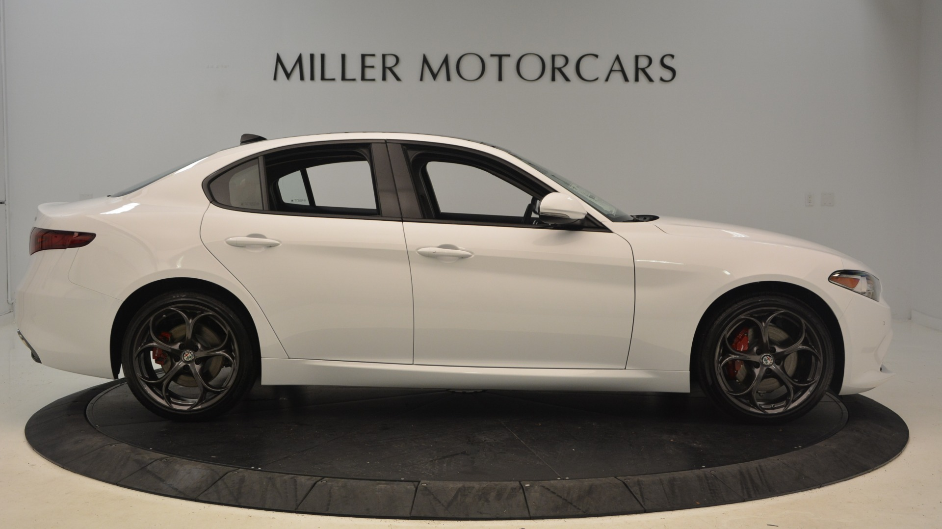 New 2018 Alfa Romeo Giulia Ti Sport Q4 For Sale In Greenwich, CT. Alfa Romeo of Greenwich, L298 1781_p9