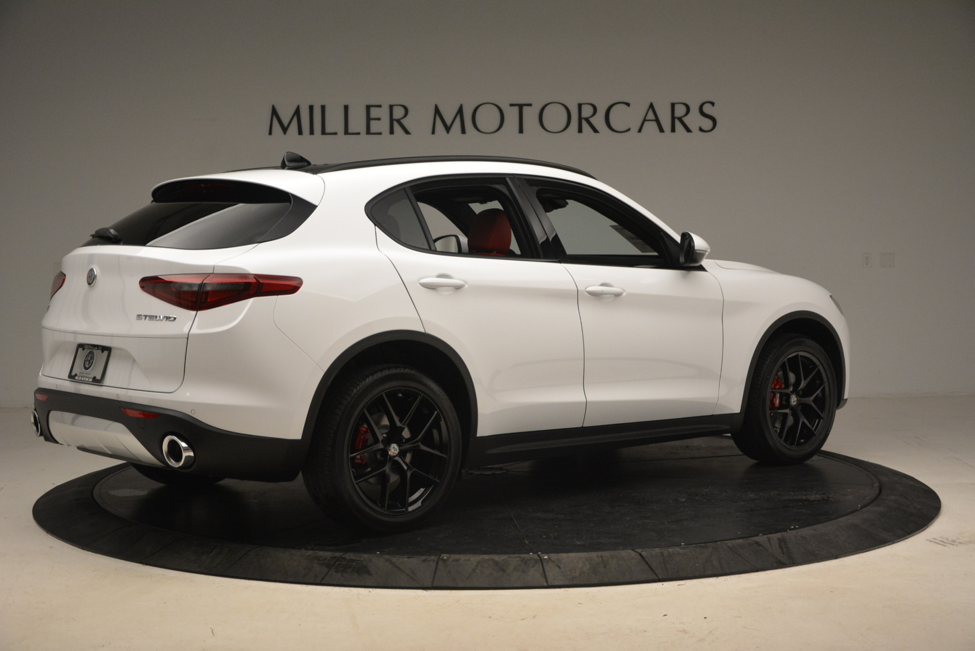 New 2018 Alfa Romeo Stelvio Ti Sport Q4 For Sale In Greenwich, CT. Alfa Romeo of Greenwich, LW087 1783_p8