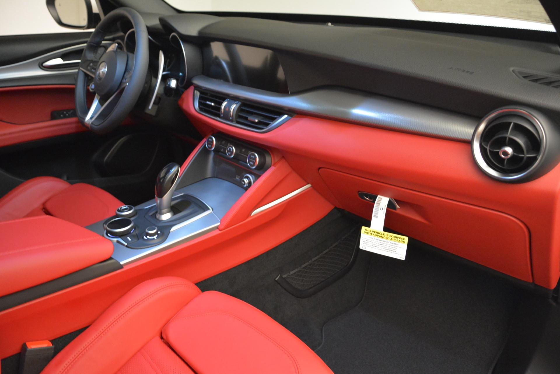 New 2018 Alfa Romeo Stelvio Ti Sport Q4 For Sale In Greenwich, CT. Alfa Romeo of Greenwich, LW090 1787_p19