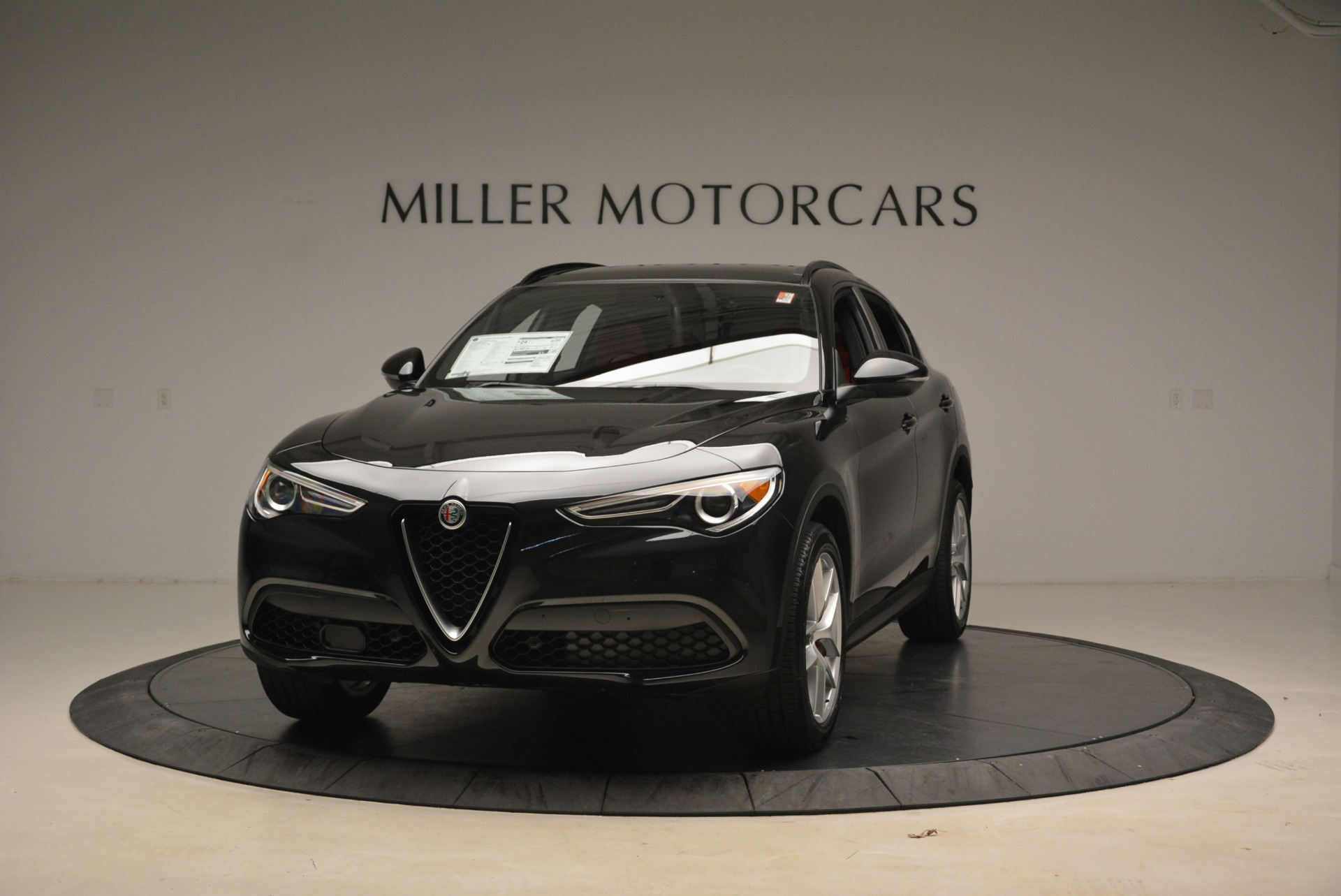 New 2018 Alfa Romeo Stelvio Ti Sport Q4 For Sale In Greenwich, CT. Alfa Romeo of Greenwich, LW088 1789_main