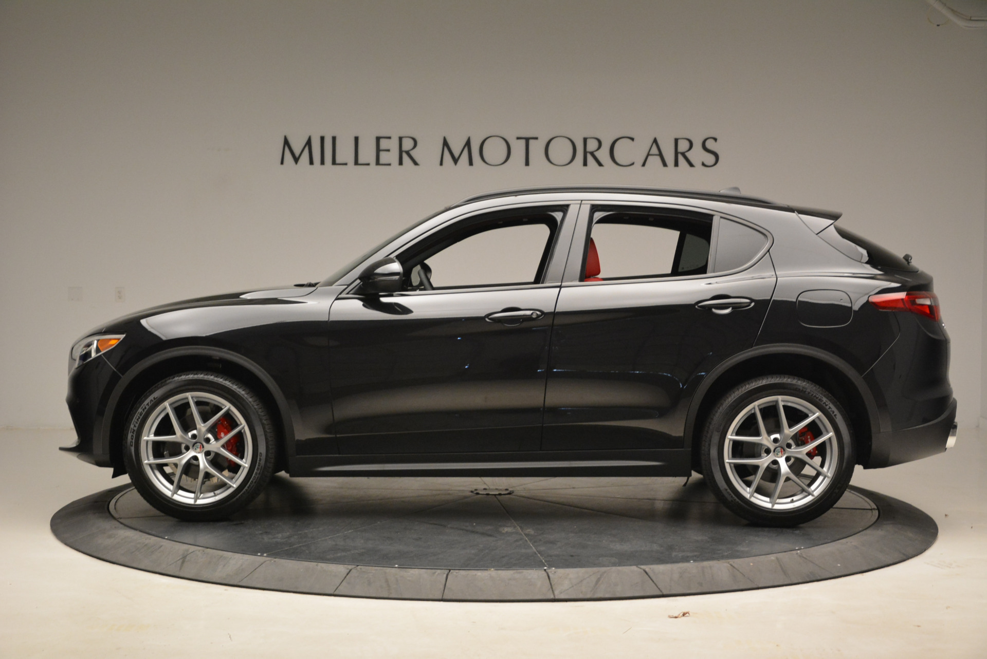 New 2018 Alfa Romeo Stelvio Ti Sport Q4 For Sale In Greenwich, CT. Alfa Romeo of Greenwich, LW088 1789_p3