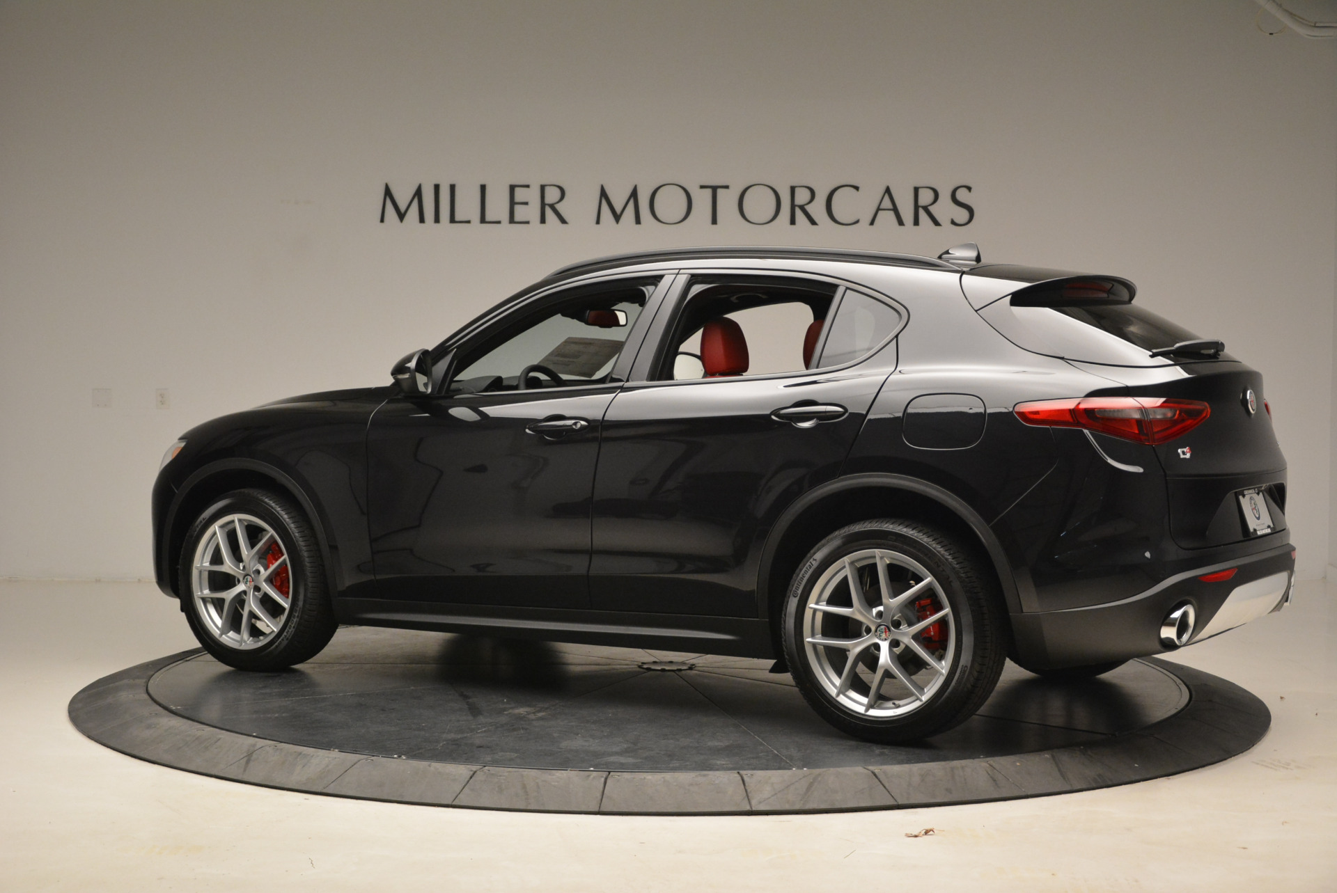 New 2018 Alfa Romeo Stelvio Ti Sport Q4 For Sale In Greenwich, CT. Alfa Romeo of Greenwich, LW088 1789_p4
