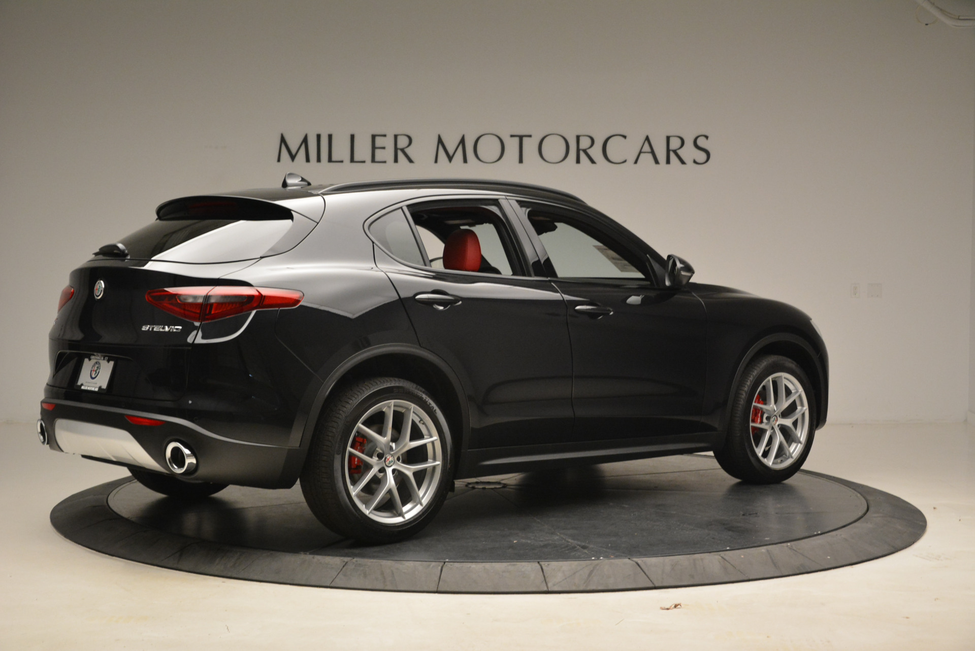 New 2018 Alfa Romeo Stelvio Ti Sport Q4 For Sale In Greenwich, CT. Alfa Romeo of Greenwich, LW088 1789_p8