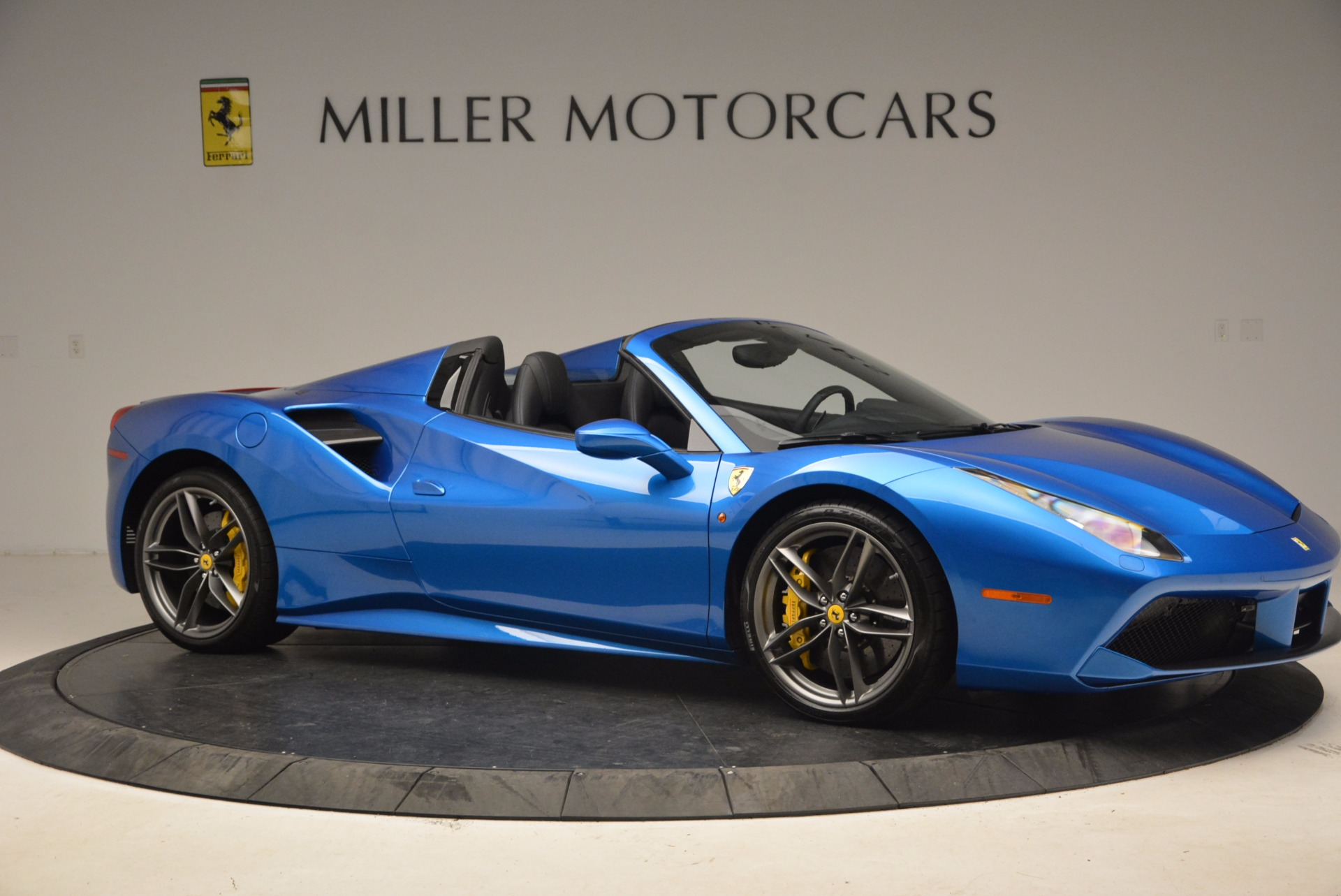 Used 2017 Ferrari 488 Spider  For Sale In Greenwich, CT. Alfa Romeo of Greenwich, 4436 1791_p10