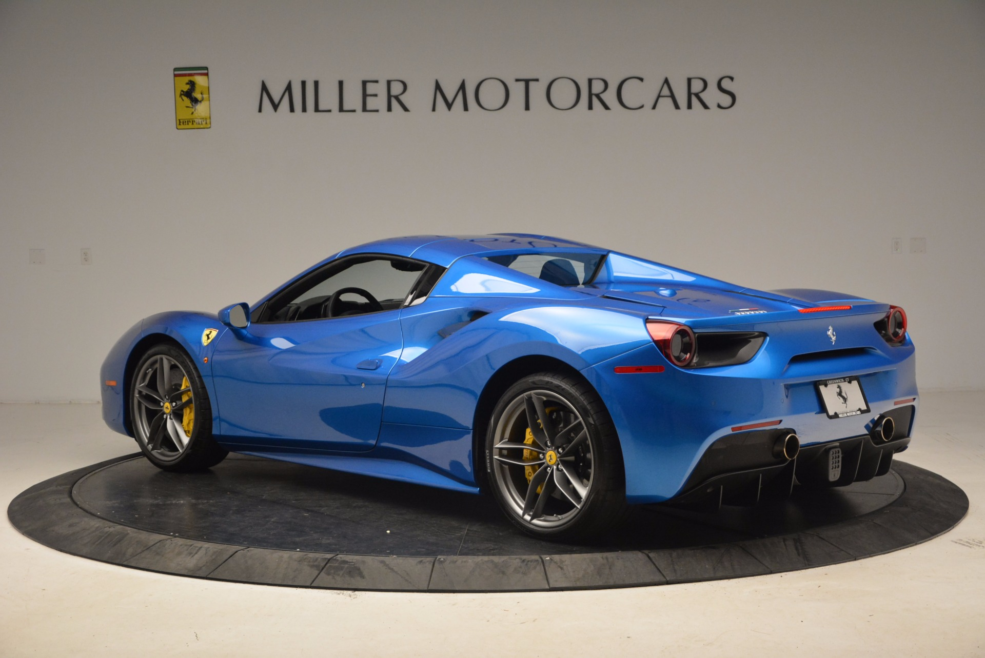 Used 2017 Ferrari 488 Spider  For Sale In Greenwich, CT. Alfa Romeo of Greenwich, 4436 1791_p15