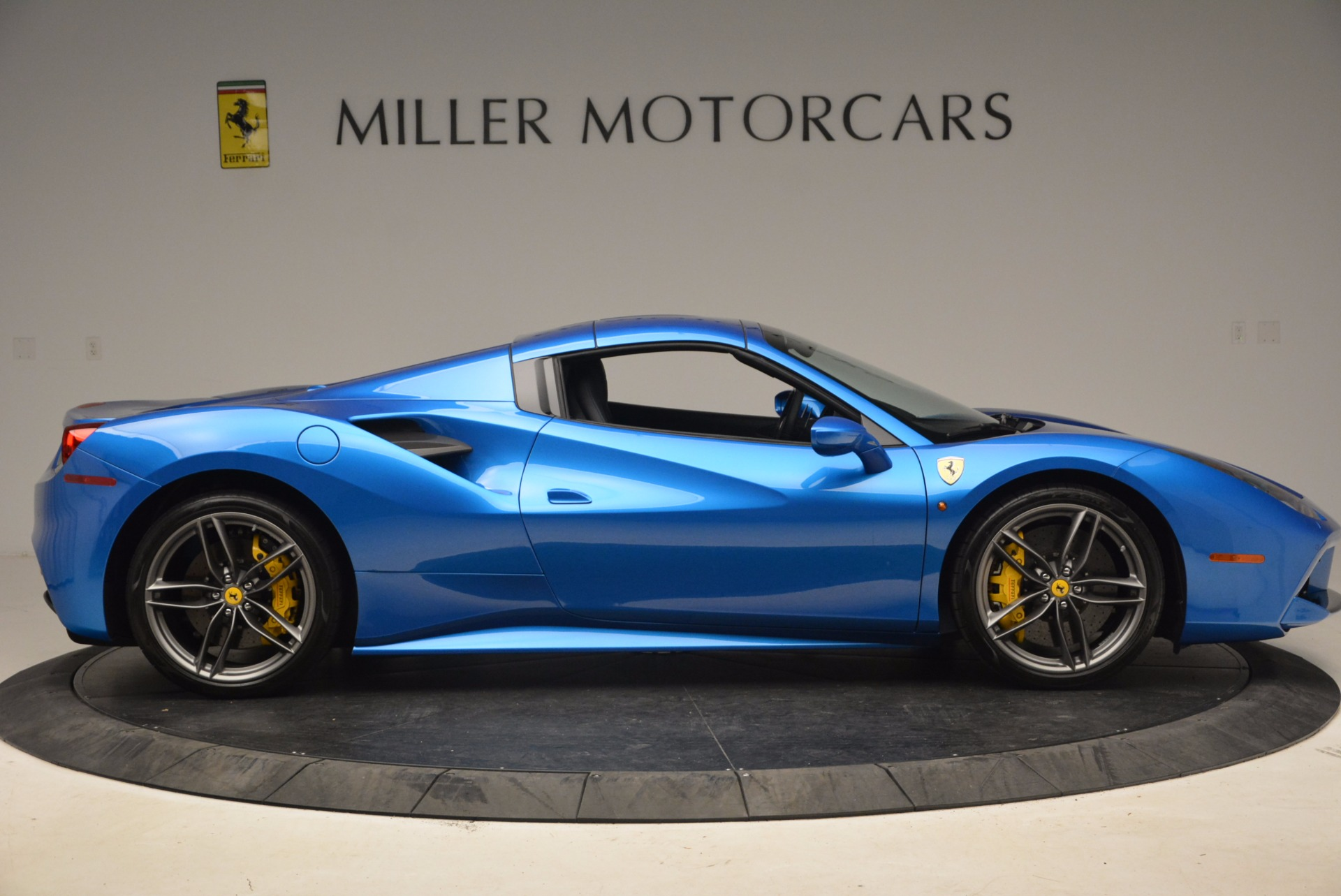 Used 2017 Ferrari 488 Spider  For Sale In Greenwich, CT. Alfa Romeo of Greenwich, 4436 1791_p18