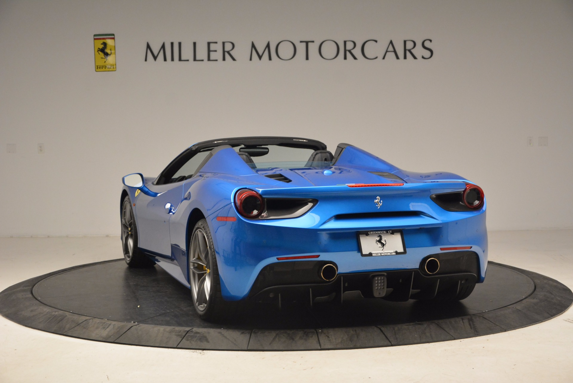 Used 2017 Ferrari 488 Spider  For Sale In Greenwich, CT. Alfa Romeo of Greenwich, 4436 1791_p5