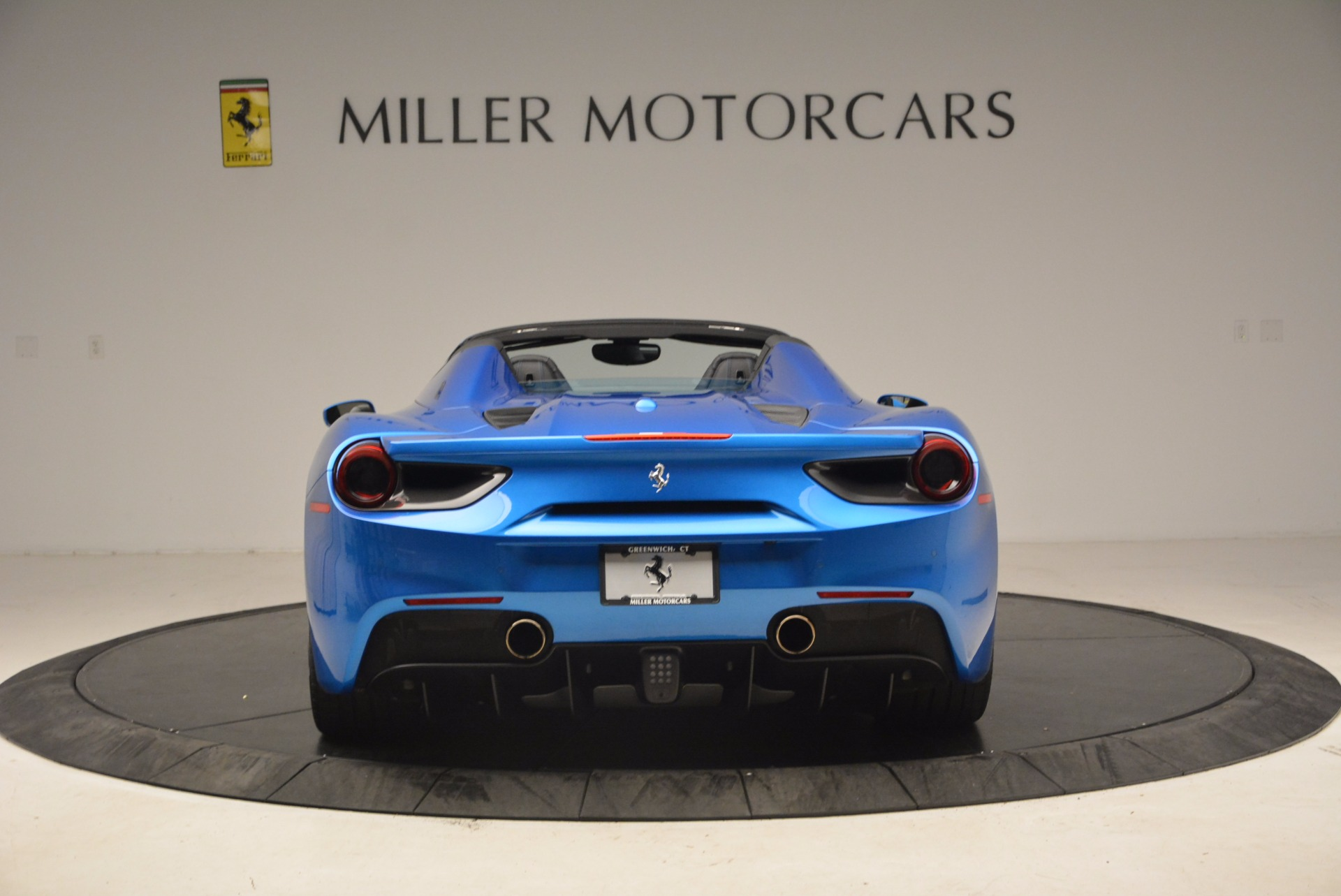 Used 2017 Ferrari 488 Spider  For Sale In Greenwich, CT. Alfa Romeo of Greenwich, 4436 1791_p6
