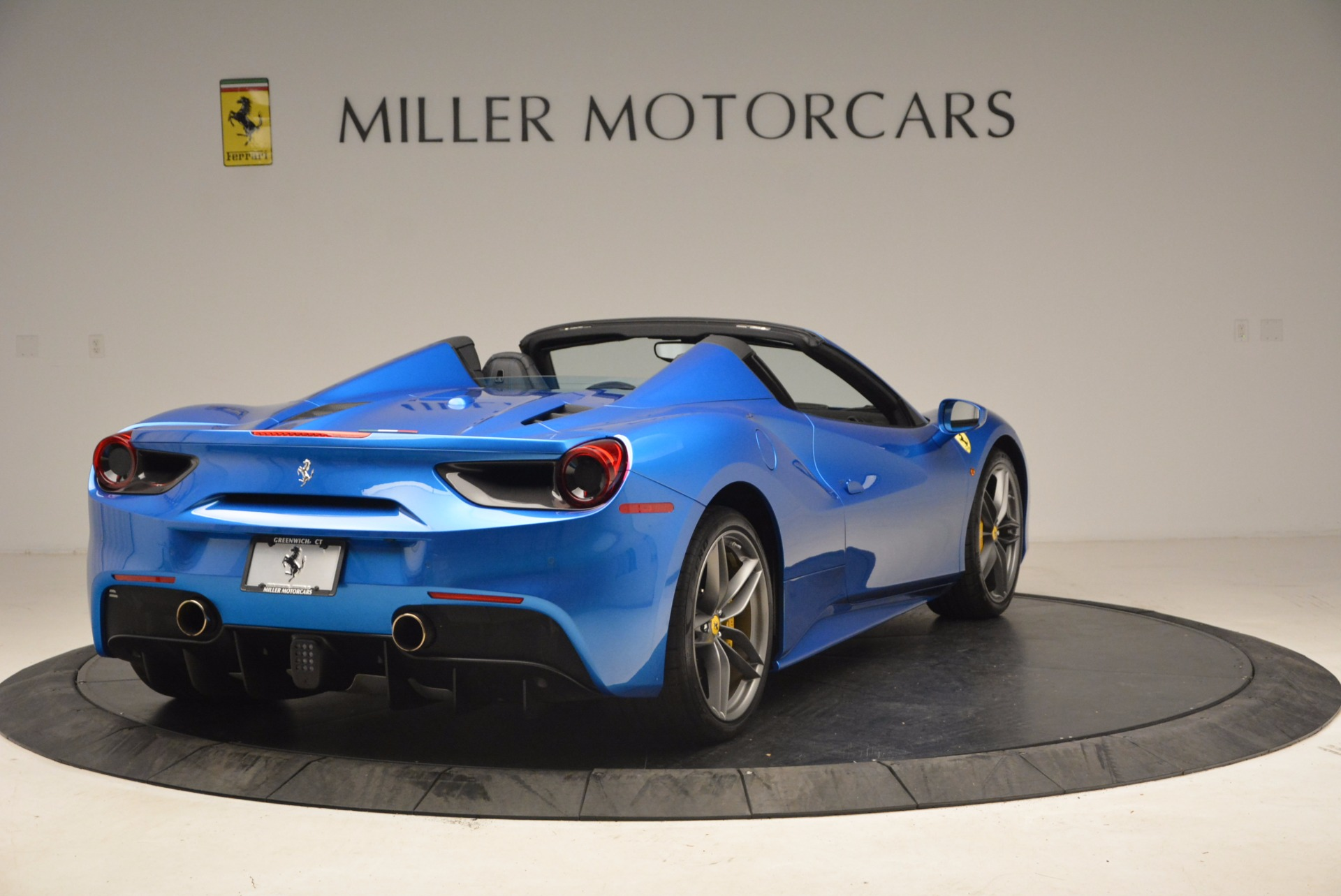 Used 2017 Ferrari 488 Spider  For Sale In Greenwich, CT. Alfa Romeo of Greenwich, 4436 1791_p7