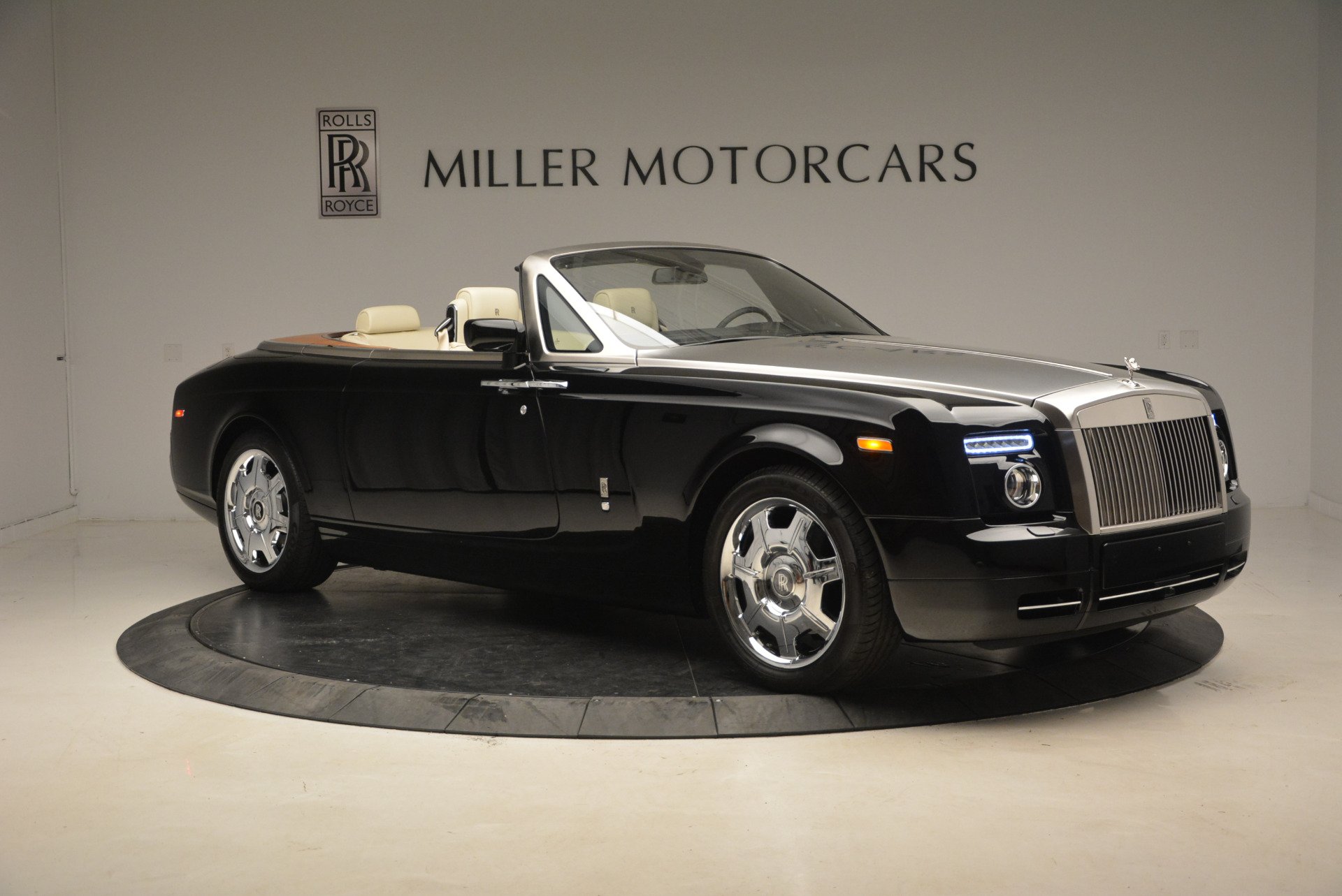 Used 2009 Rolls-Royce Phantom Drophead Coupe  For Sale In Greenwich, CT. Alfa Romeo of Greenwich, 7296 1792_p12