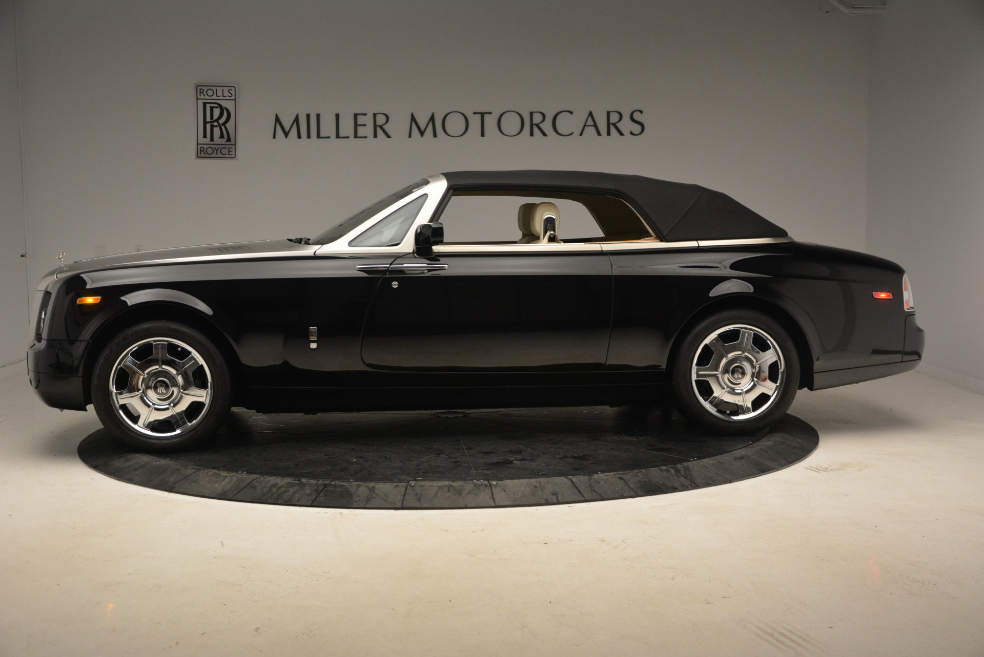 Used 2009 Rolls-Royce Phantom Drophead Coupe  For Sale In Greenwich, CT. Alfa Romeo of Greenwich, 7296 1792_p15