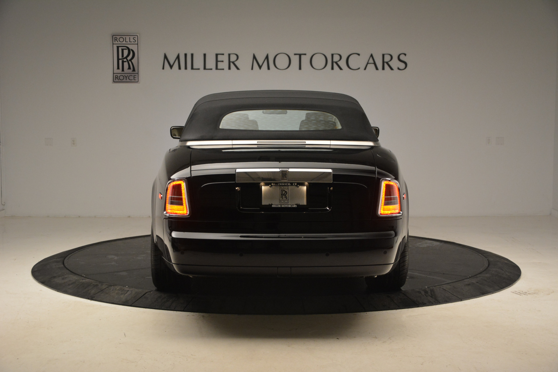 Used 2009 Rolls-Royce Phantom Drophead Coupe  For Sale In Greenwich, CT. Alfa Romeo of Greenwich, 7296 1792_p18