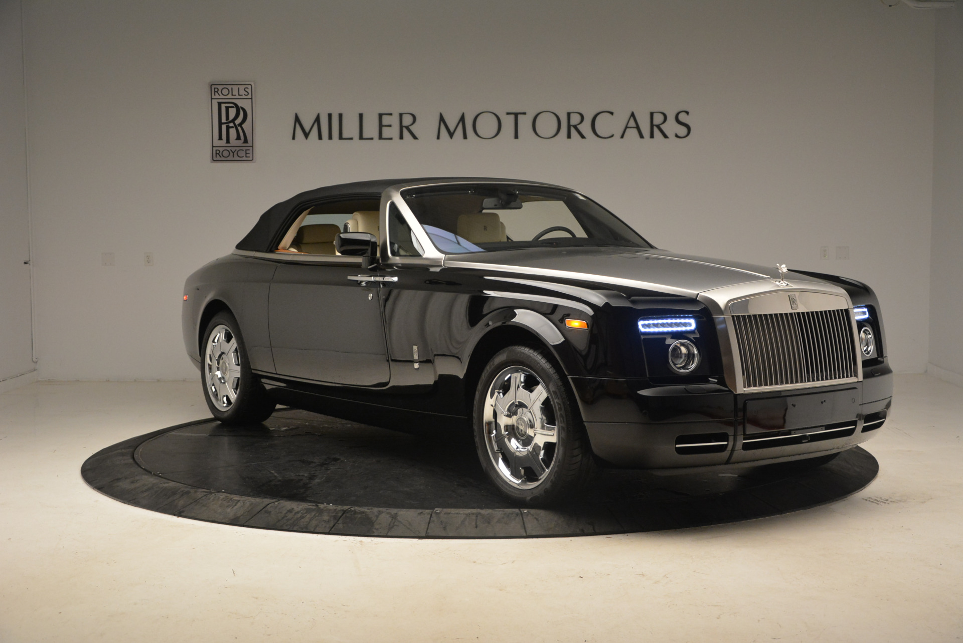 Used 2009 Rolls-Royce Phantom Drophead Coupe  For Sale In Greenwich, CT. Alfa Romeo of Greenwich, 7296 1792_p23