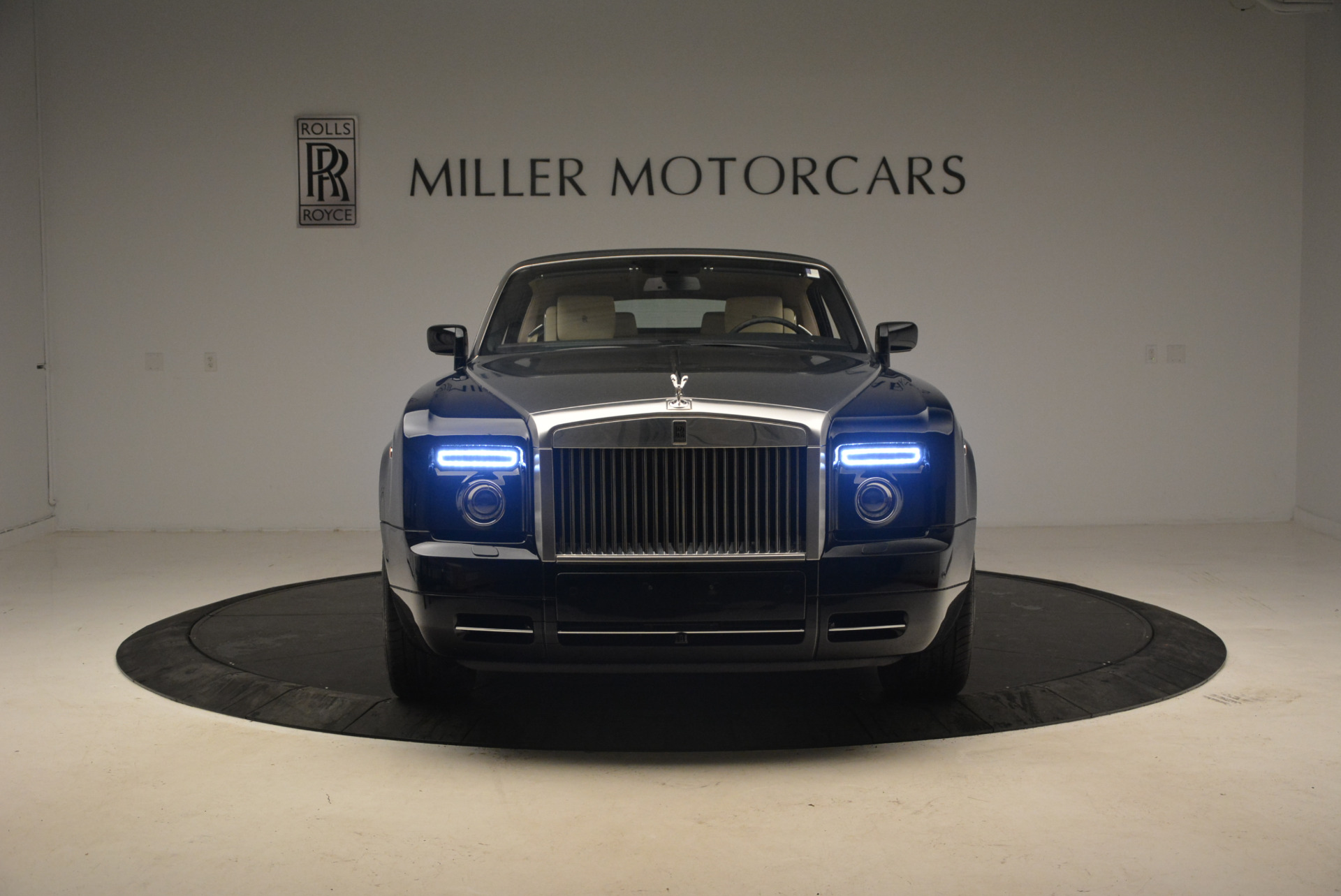 Used 2009 Rolls-Royce Phantom Drophead Coupe  For Sale In Greenwich, CT. Alfa Romeo of Greenwich, 7296 1792_p25
