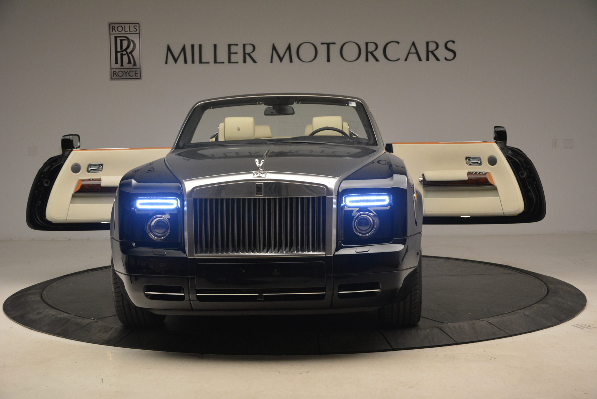 Used 2009 Rolls-Royce Phantom Drophead Coupe  For Sale In Greenwich, CT. Alfa Romeo of Greenwich, 7296 1792_p30