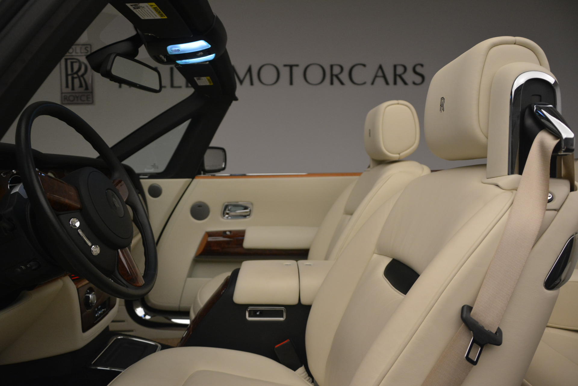 Used 2009 Rolls-Royce Phantom Drophead Coupe  For Sale In Greenwich, CT. Alfa Romeo of Greenwich, 7296 1792_p34