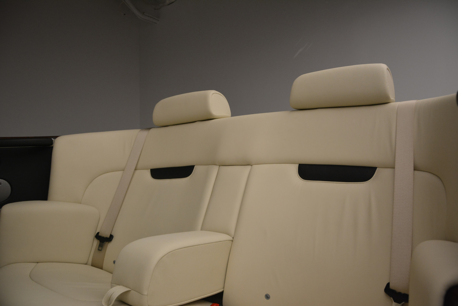 Used 2009 Rolls-Royce Phantom Drophead Coupe  For Sale In Greenwich, CT. Alfa Romeo of Greenwich, 7296 1792_p35