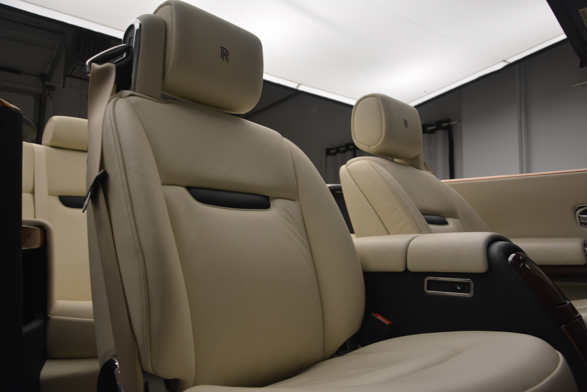 Used 2009 Rolls-Royce Phantom Drophead Coupe  For Sale In Greenwich, CT. Alfa Romeo of Greenwich, 7296 1792_p38