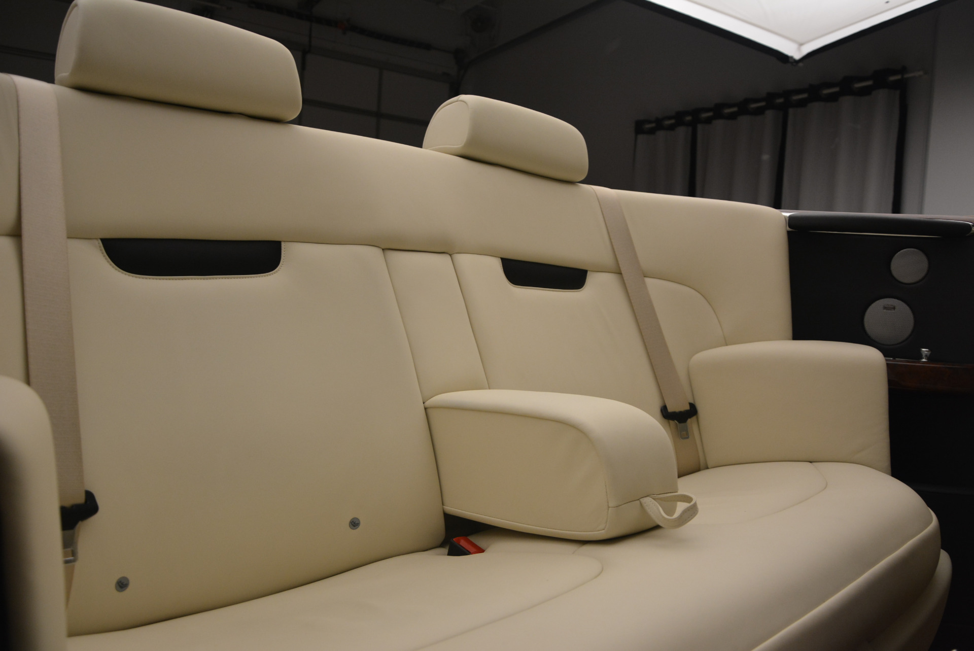 Used 2009 Rolls-Royce Phantom Drophead Coupe  For Sale In Greenwich, CT. Alfa Romeo of Greenwich, 7296 1792_p41