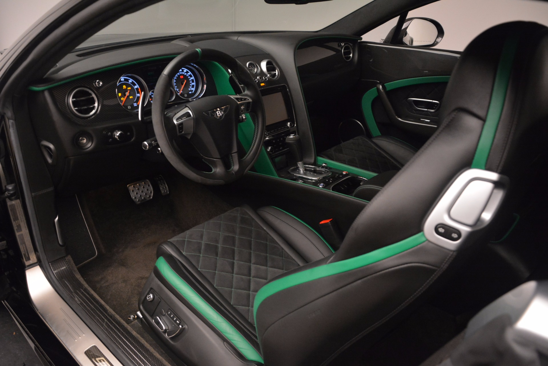 Used 2015 Bentley Continental GT GT3-R For Sale In Greenwich, CT. Alfa Romeo of Greenwich, 4368A 1794_p18