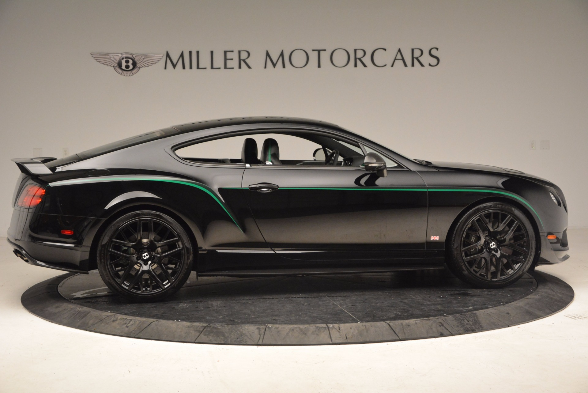 Used 2015 Bentley Continental GT GT3-R For Sale In Greenwich, CT. Alfa Romeo of Greenwich, 4368A 1794_p9