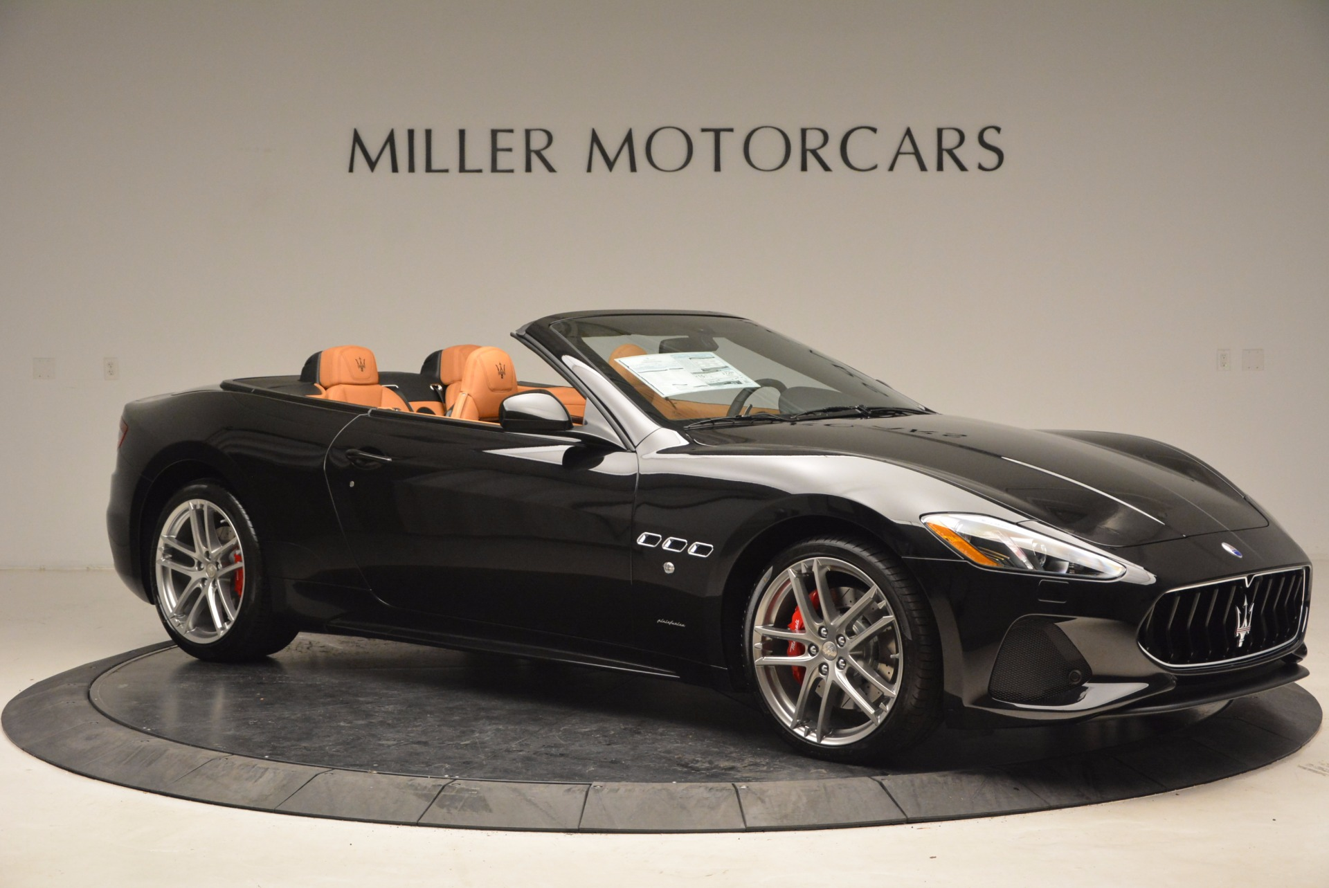 New 2018 Maserati GranTurismo Sport Convertible For Sale In Greenwich, CT. Alfa Romeo of Greenwich, M1970 1795_p10