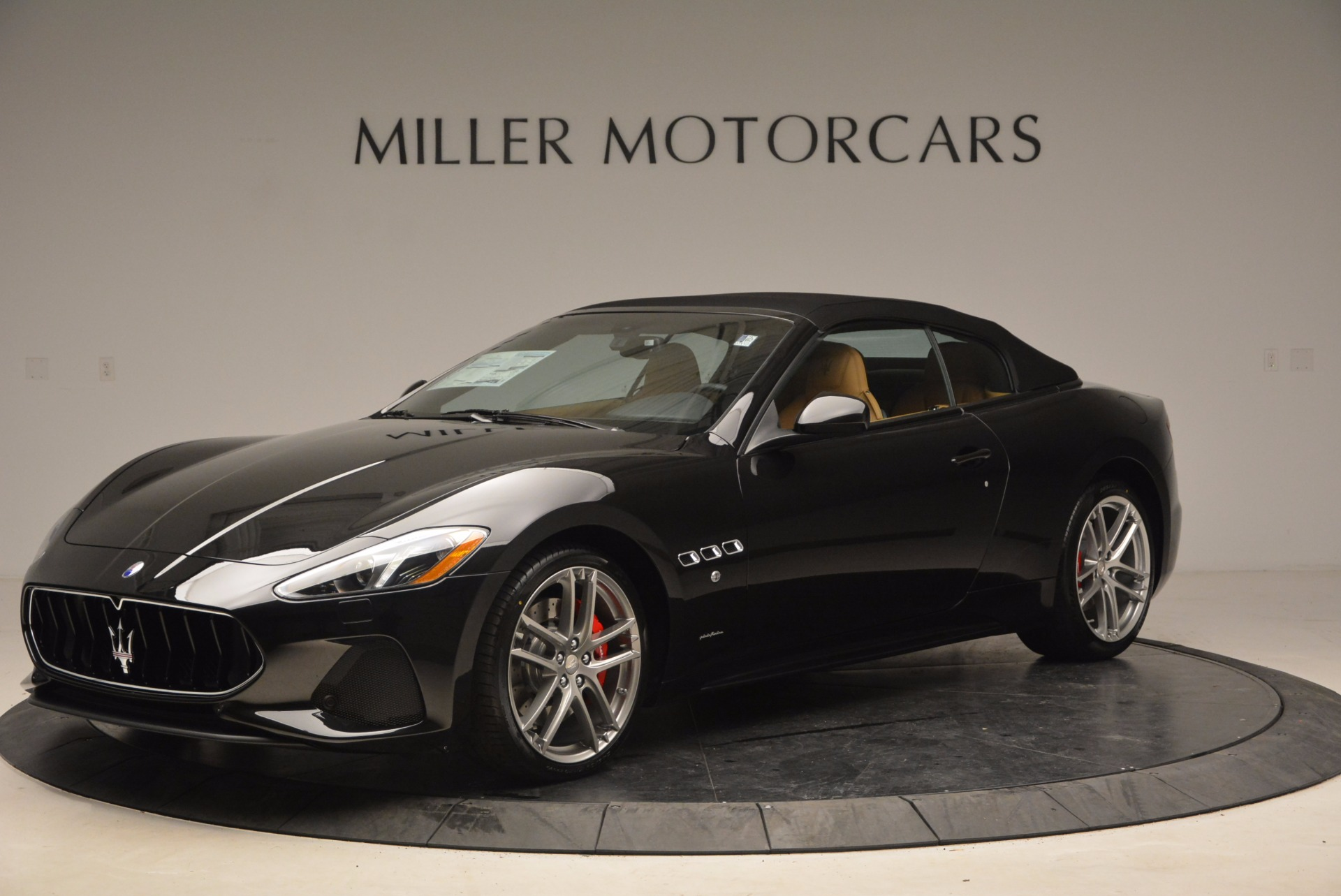 New 2018 Maserati GranTurismo Sport Convertible For Sale In Greenwich, CT. Alfa Romeo of Greenwich, M1970 1795_p14