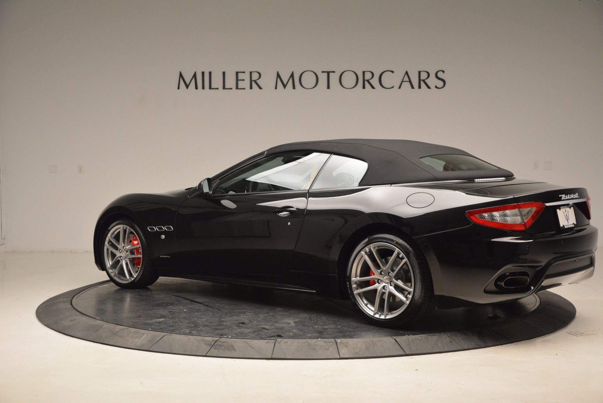 New 2018 Maserati GranTurismo Sport Convertible For Sale In Greenwich, CT. Alfa Romeo of Greenwich, M1970 1795_p16