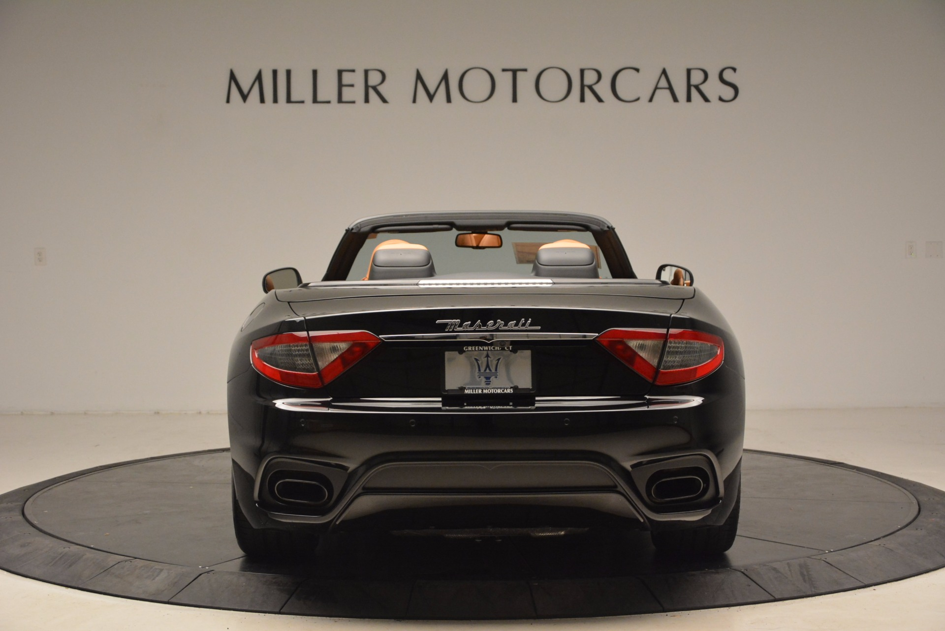 New 2018 Maserati GranTurismo Sport Convertible For Sale In Greenwich, CT. Alfa Romeo of Greenwich, M1970 1795_p6