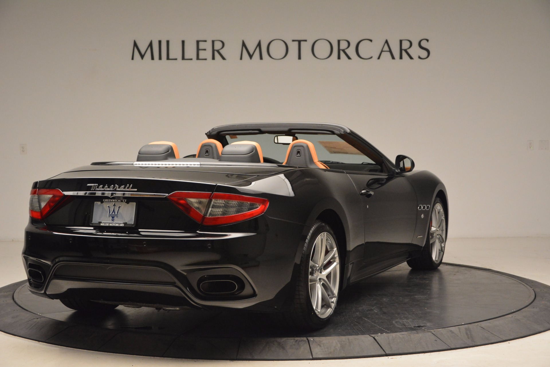 New 2018 Maserati GranTurismo Sport Convertible For Sale In Greenwich, CT. Alfa Romeo of Greenwich, M1970 1795_p7