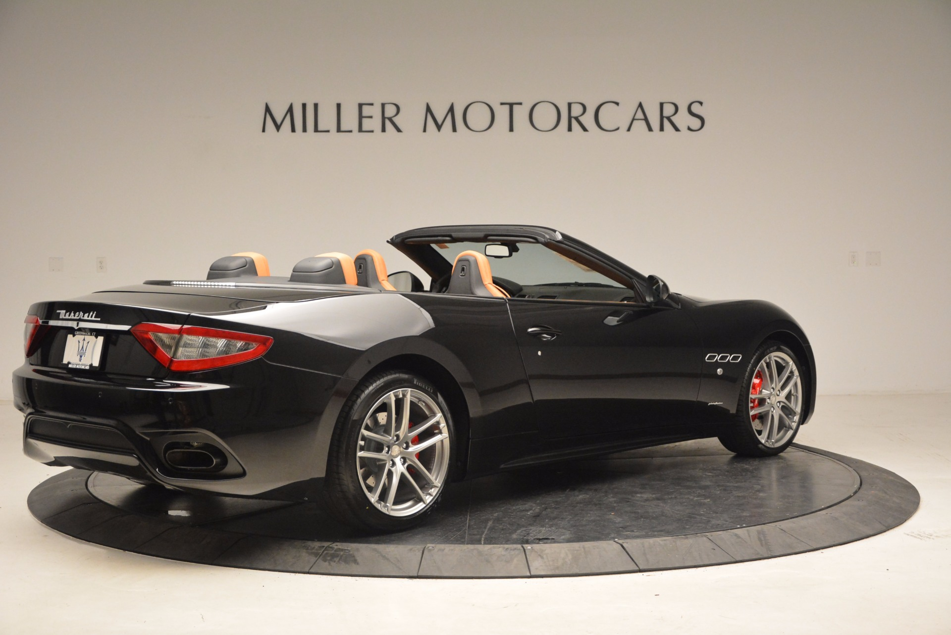 New 2018 Maserati GranTurismo Sport Convertible For Sale In Greenwich, CT. Alfa Romeo of Greenwich, M1970 1795_p8