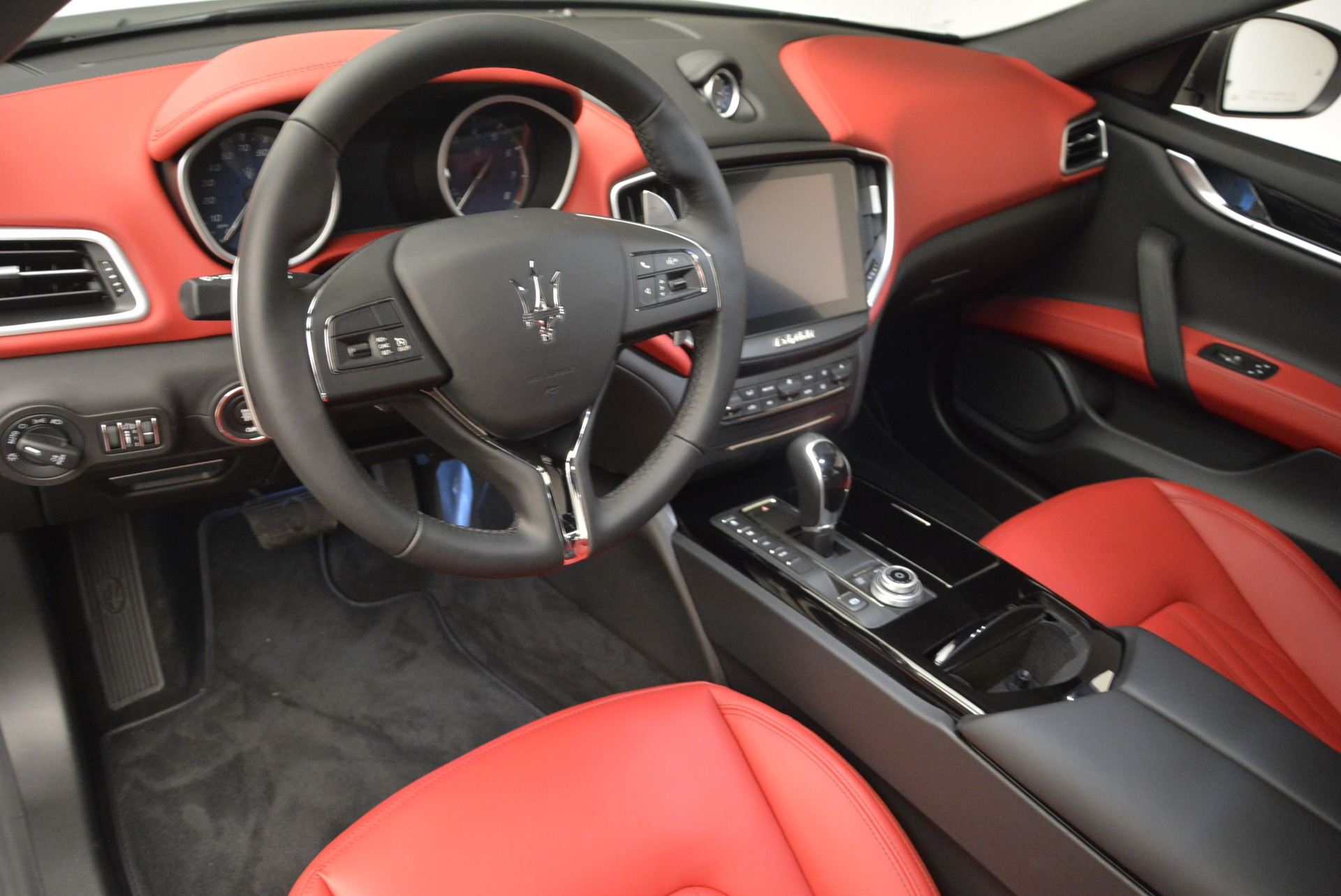 New 2018 Maserati Ghibli S Q4 For Sale In Greenwich, CT. Alfa Romeo of Greenwich, W526 1798_p13